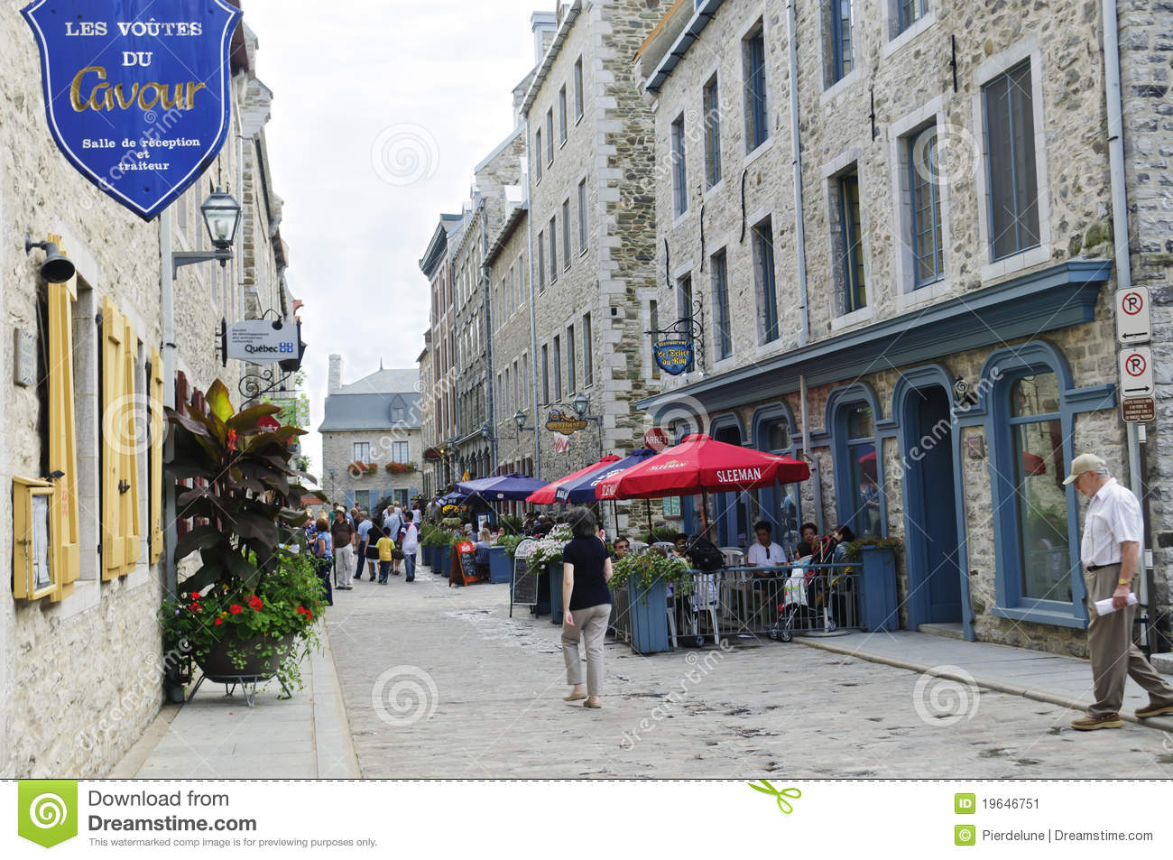 Street Scene On Old Quebec City Editorial Photo Image Of Tourist