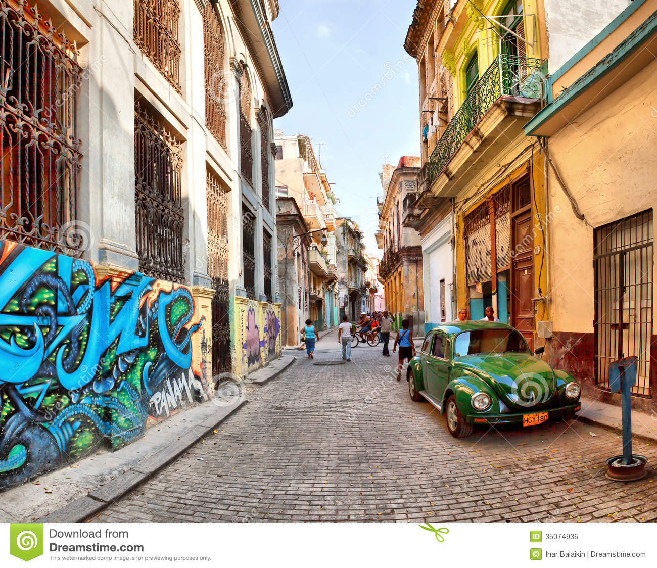 Street Scene With An Old Rusty American Car Editorial Photo - Image ...