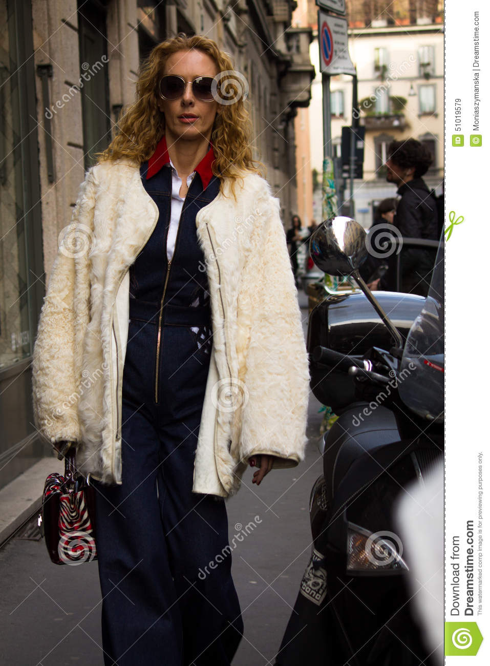 Street Style Milan Fashion Week Autumn Winter 2015 16 Editorial Stock Image Image Of Fw15