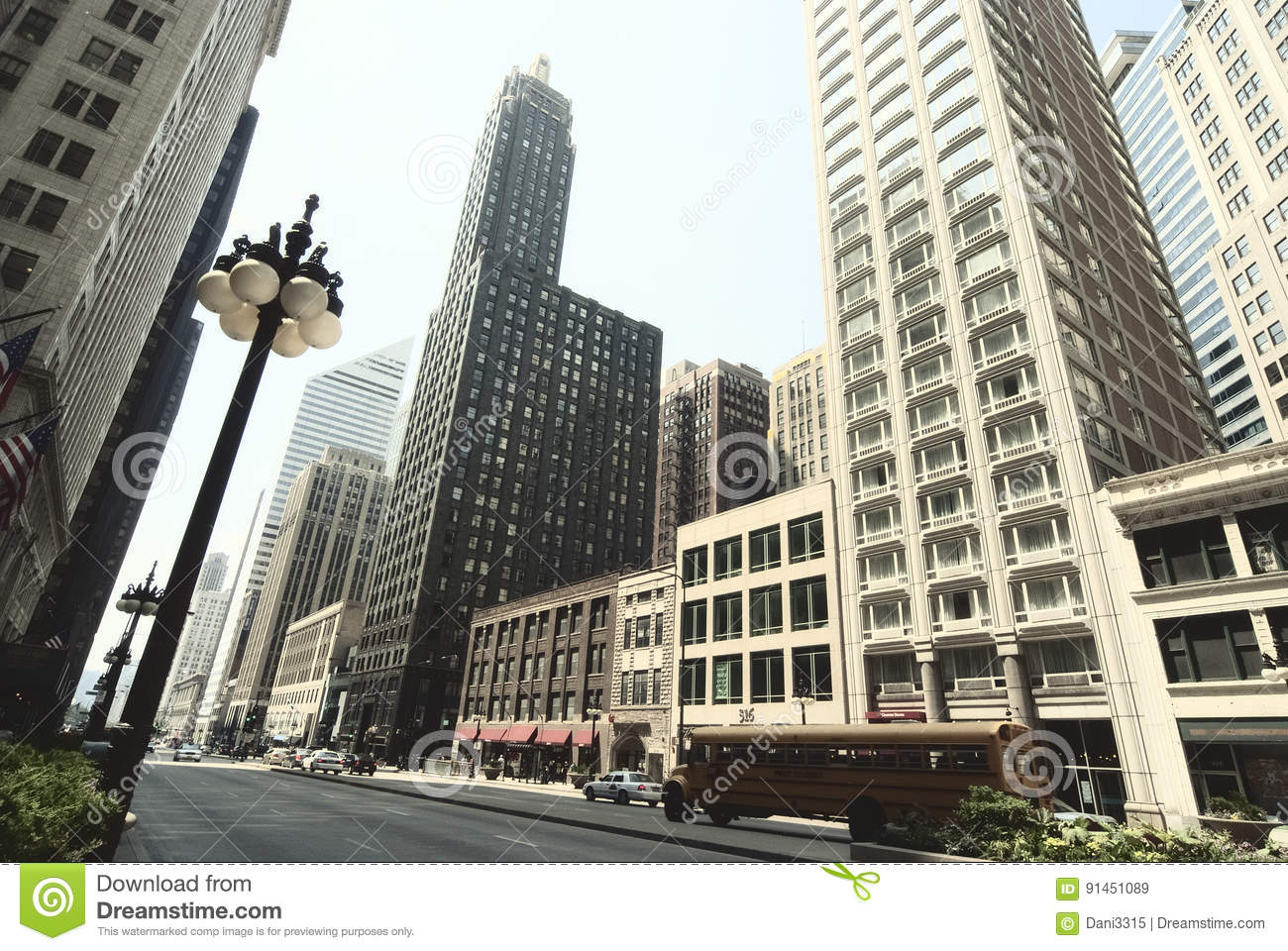 Street view of chicago downtown urban landscape with for Chicago landscape