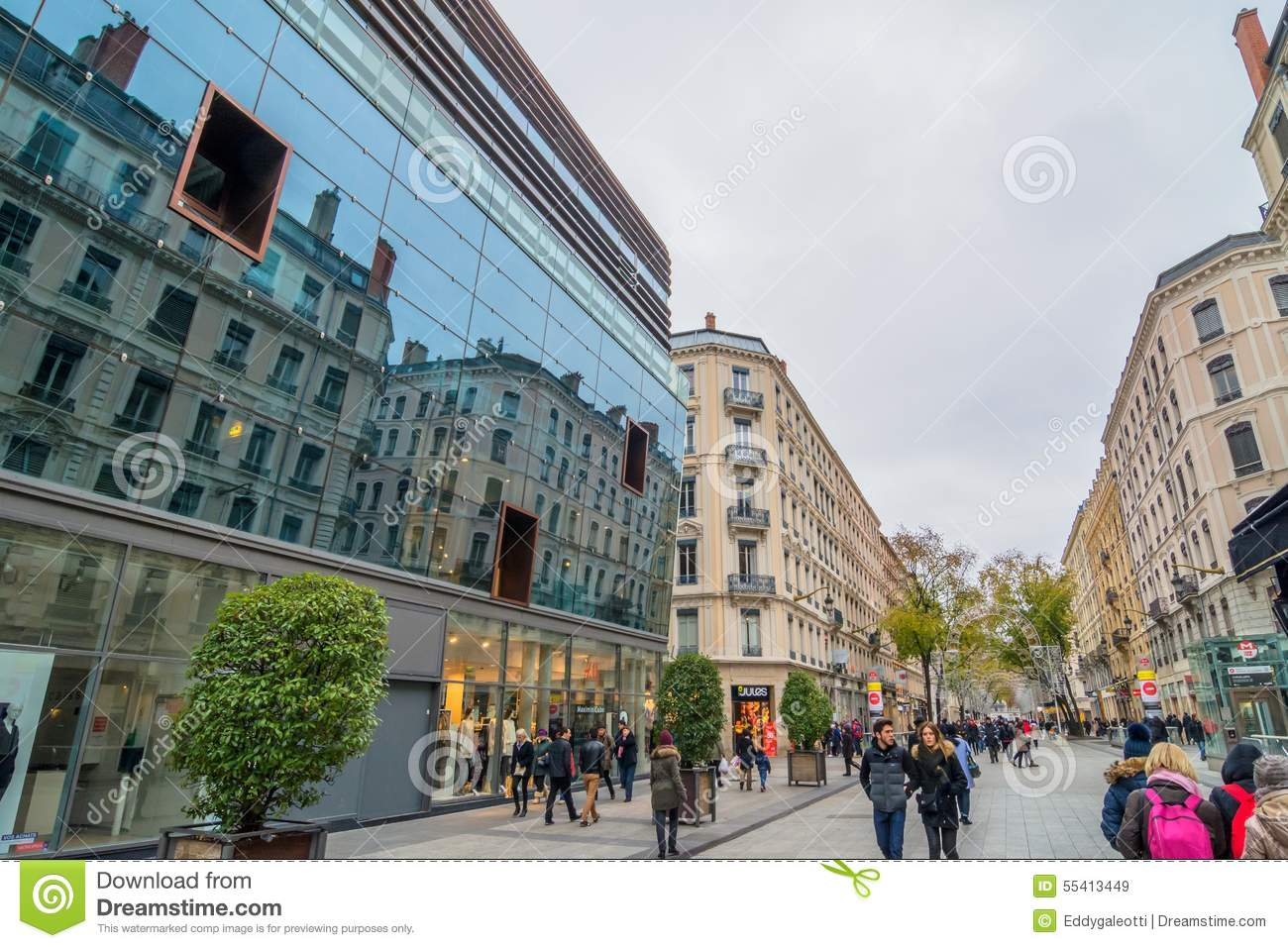 street view in lyon france editorial stock image image of shops tourists 55413449. Black Bedroom Furniture Sets. Home Design Ideas
