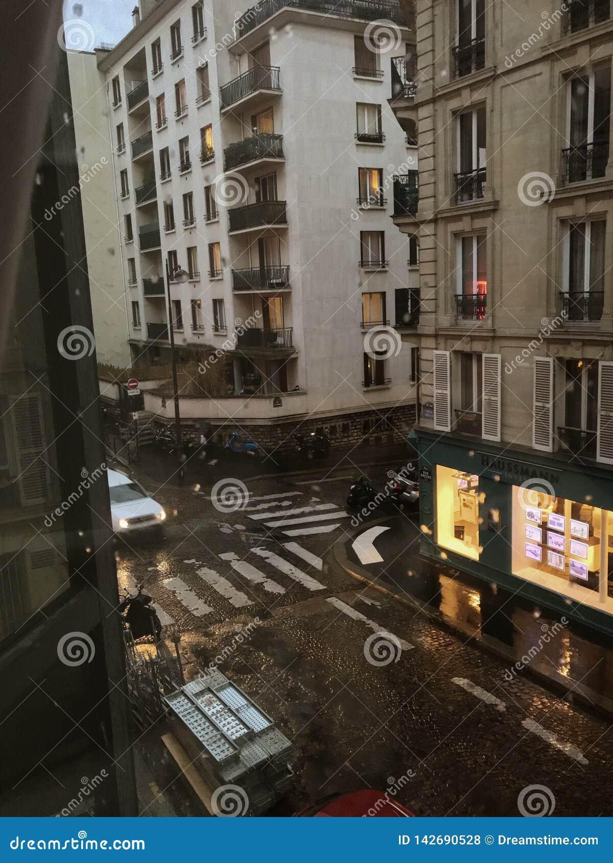 Street View parisiense de la ventana