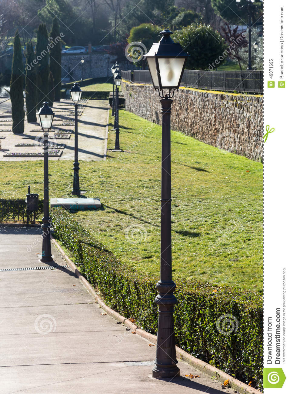 Streetlights in the park stock photo image 49071635 for Lampioni da giardino obi