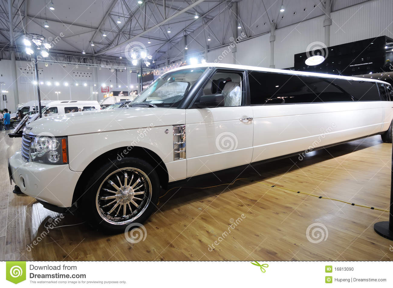 Range Rover Logo Vector >> Stretched Range Rover Limousine Editorial Image - Image: 16813090