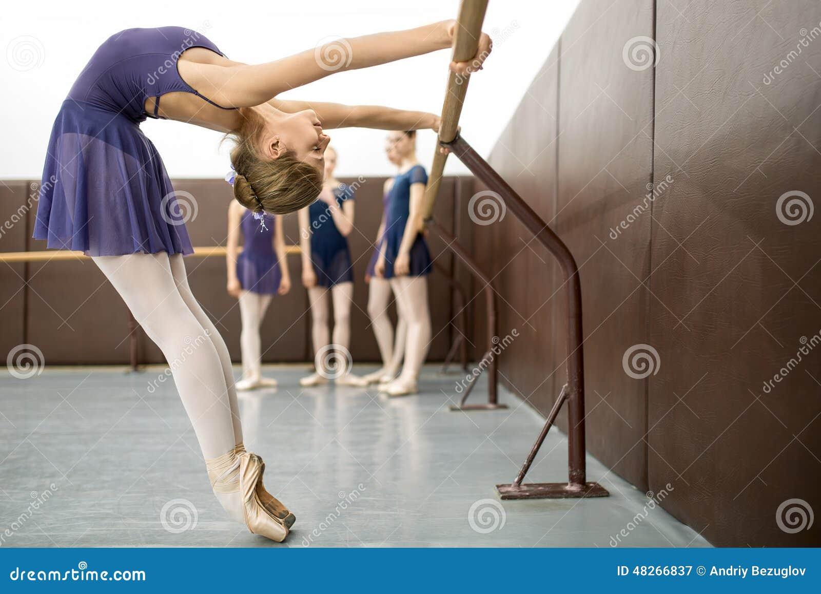 Тренировка балерин фото 3 фотография