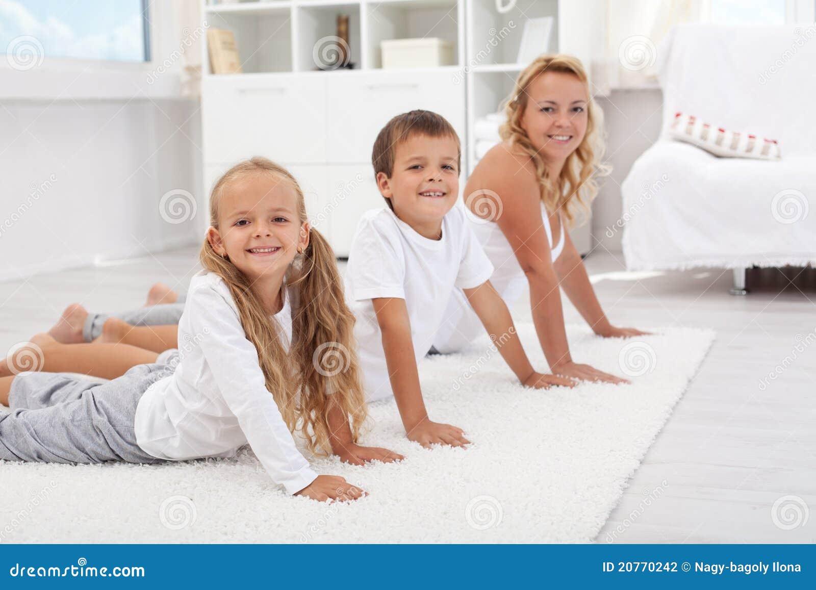 Чем мне заняться с двумя мальчиками и 2 девочками 22 фотография