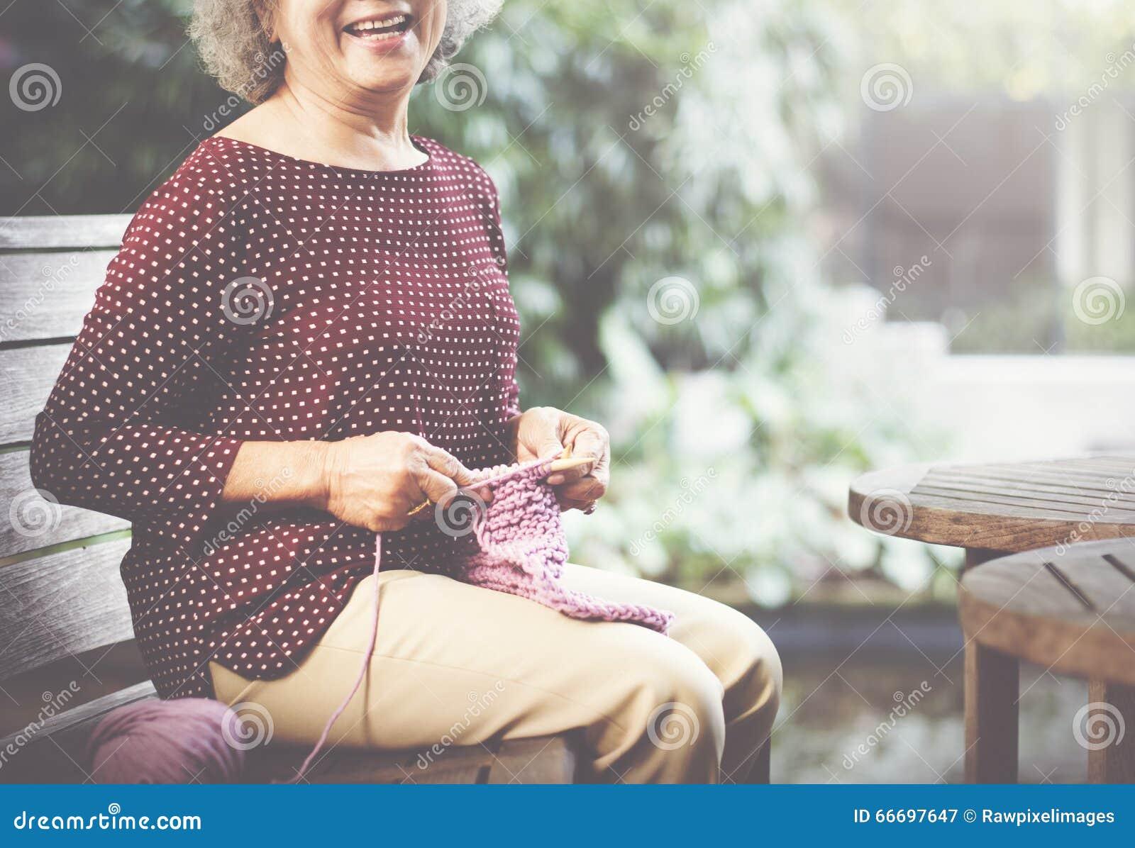 Strickendes Knit-Nadel-Garn-Näharbeit-Handwerks-Schal-Konzept