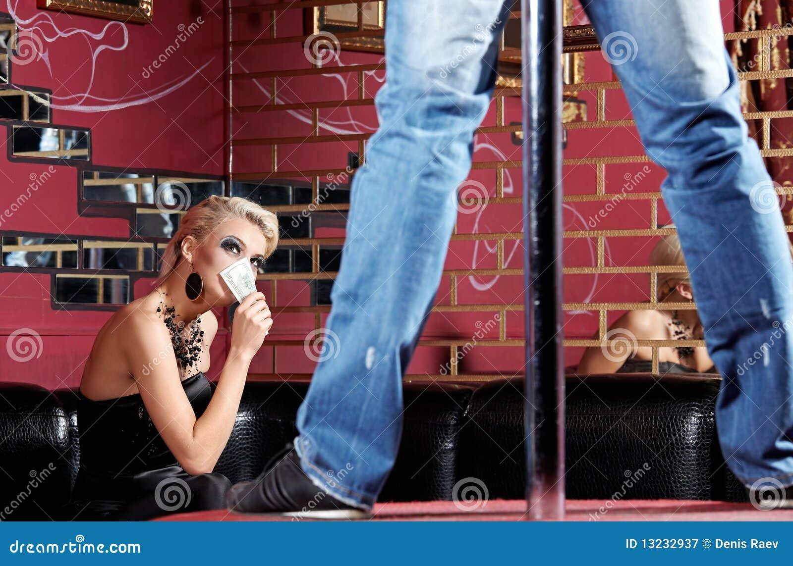 strip tease pour la femme image stock image du haut 13232937. Black Bedroom Furniture Sets. Home Design Ideas