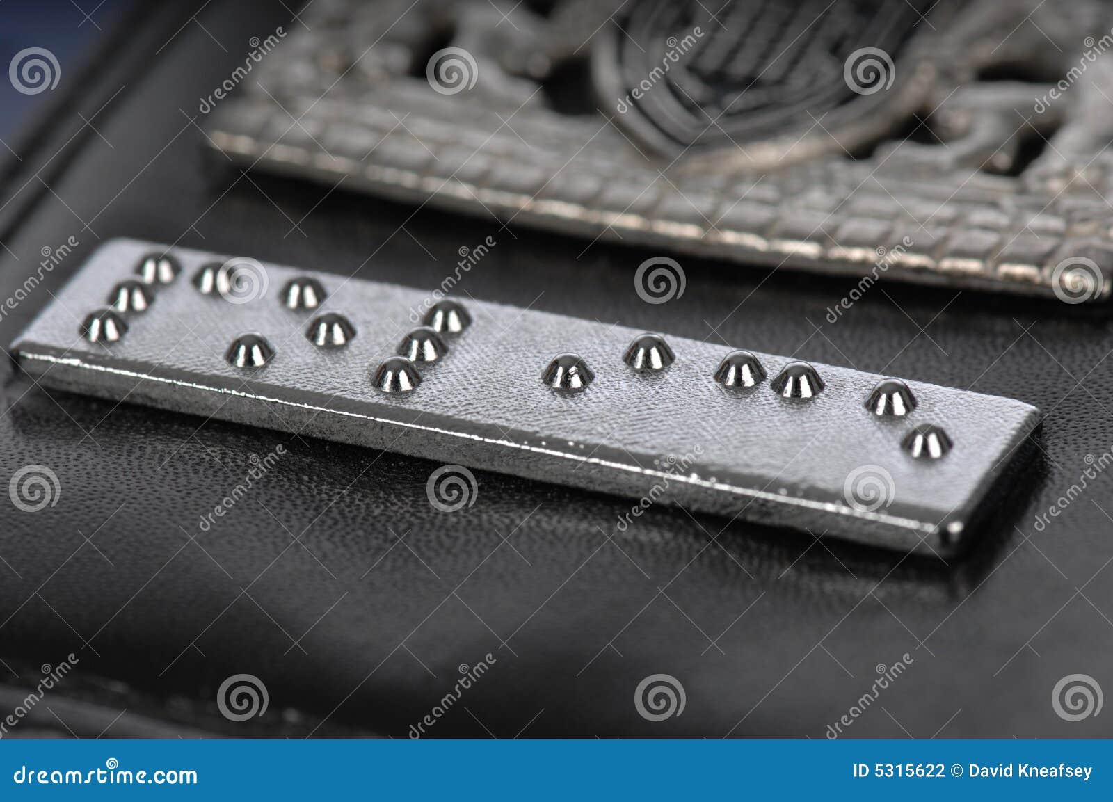 Download Striscia Del Braille Su Una Scheda Della Garanzia Della Polizia Fotografia Stock - Immagine di emissioni, conquista: 5315622