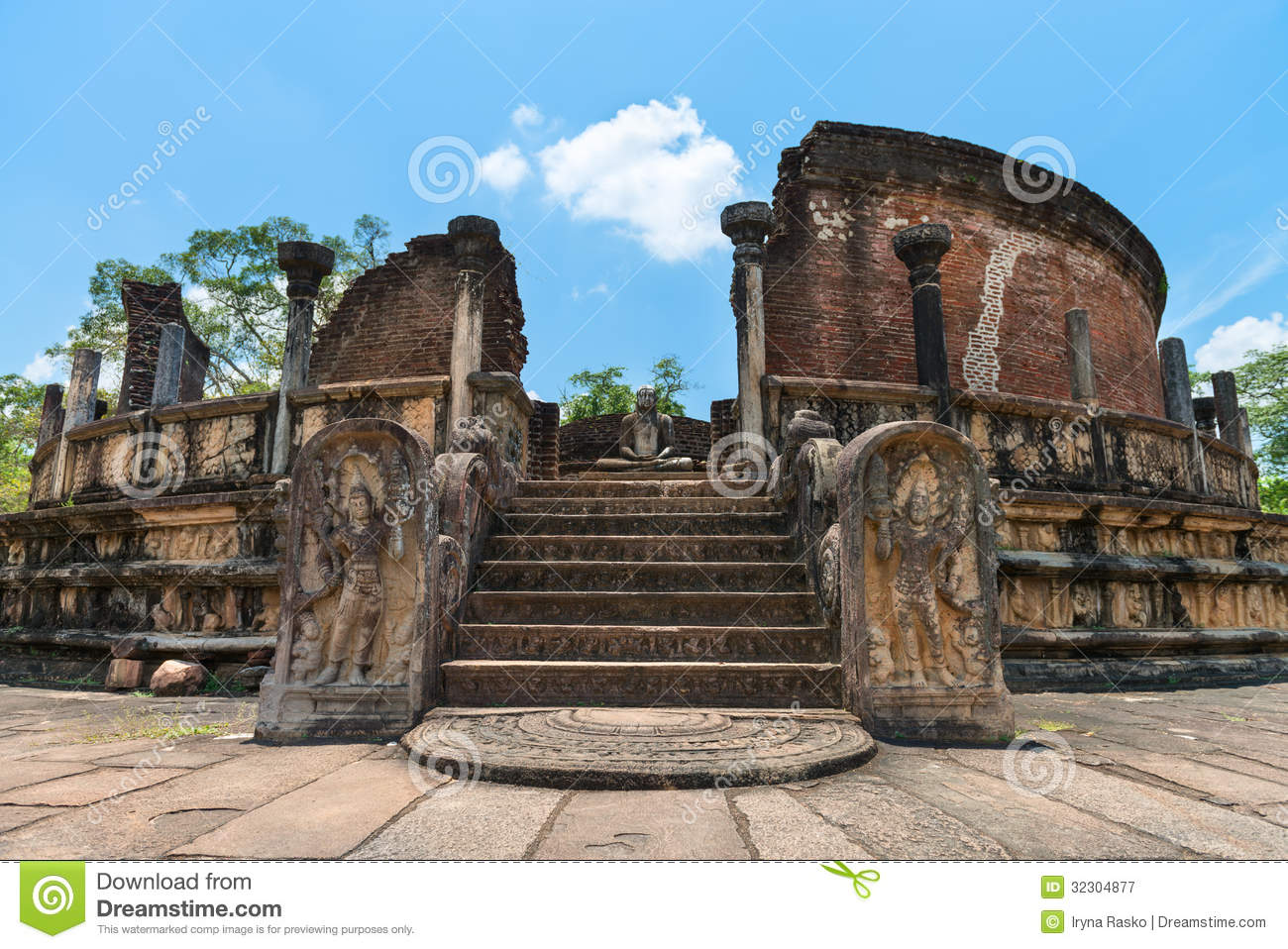 Structure unique to ancient sri lankan architecture for Structure photography