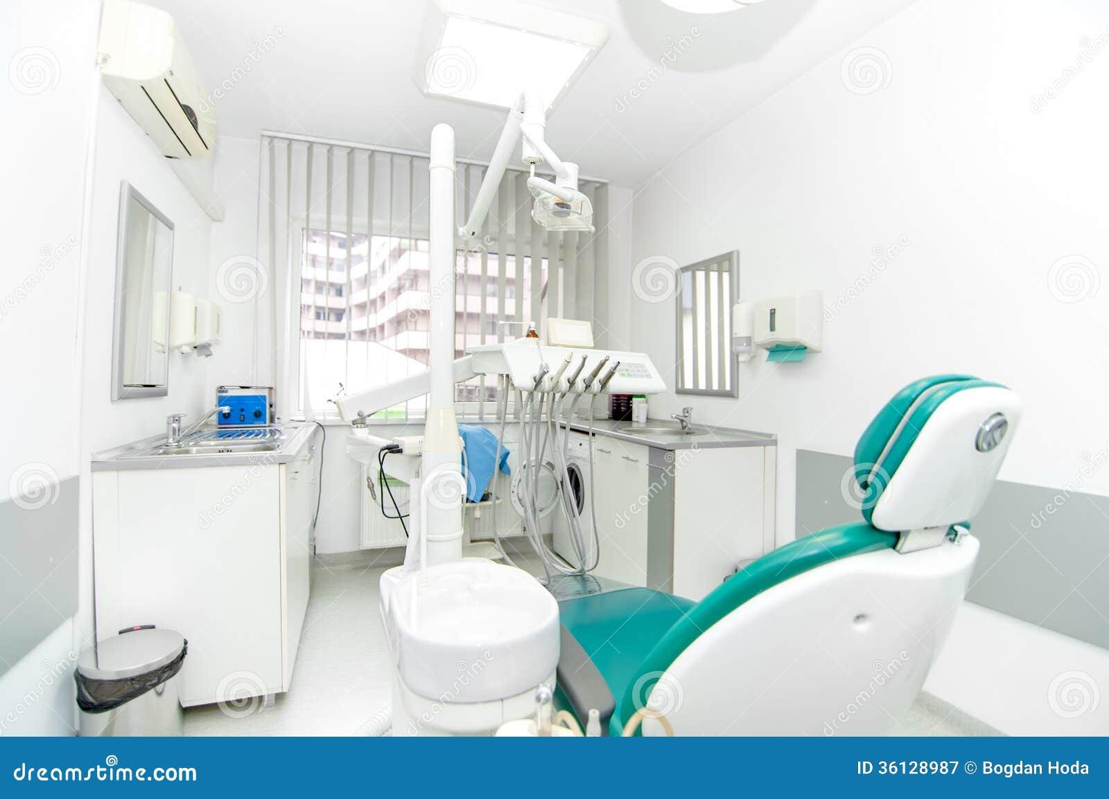 Strumenti Del Dentista E Sedia Del Dentista Immagine Stock ...