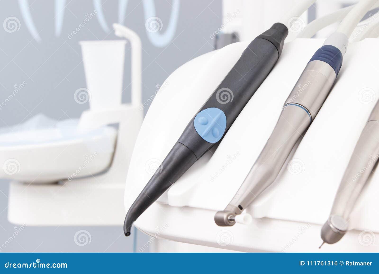 a disposizione come ottenere grande liquidazione Strumenti Dentari E Strumenti Utilizzati Dai Dentisti Nell ...