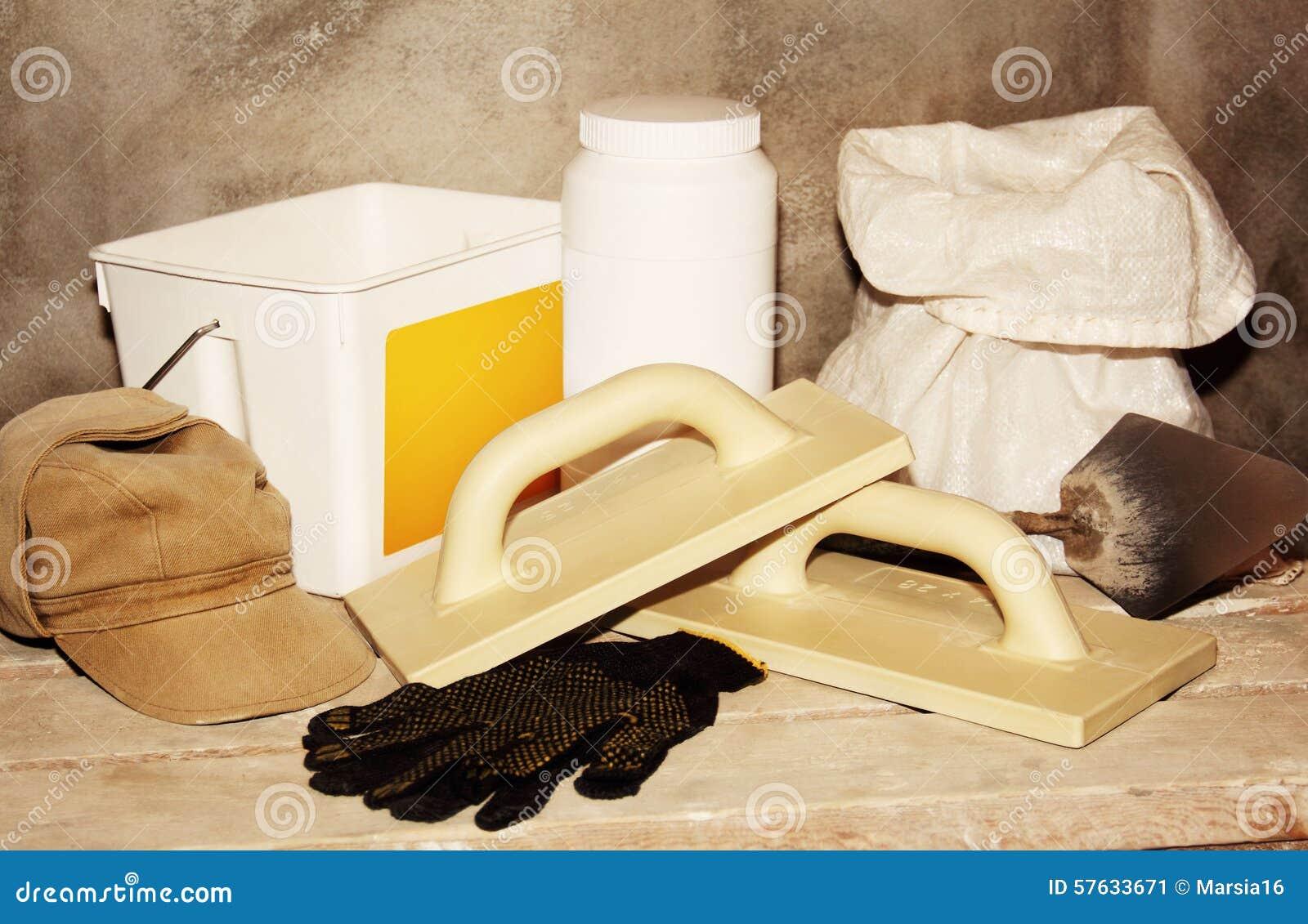 Strumenti e materiali da costruzione per le riparazioni