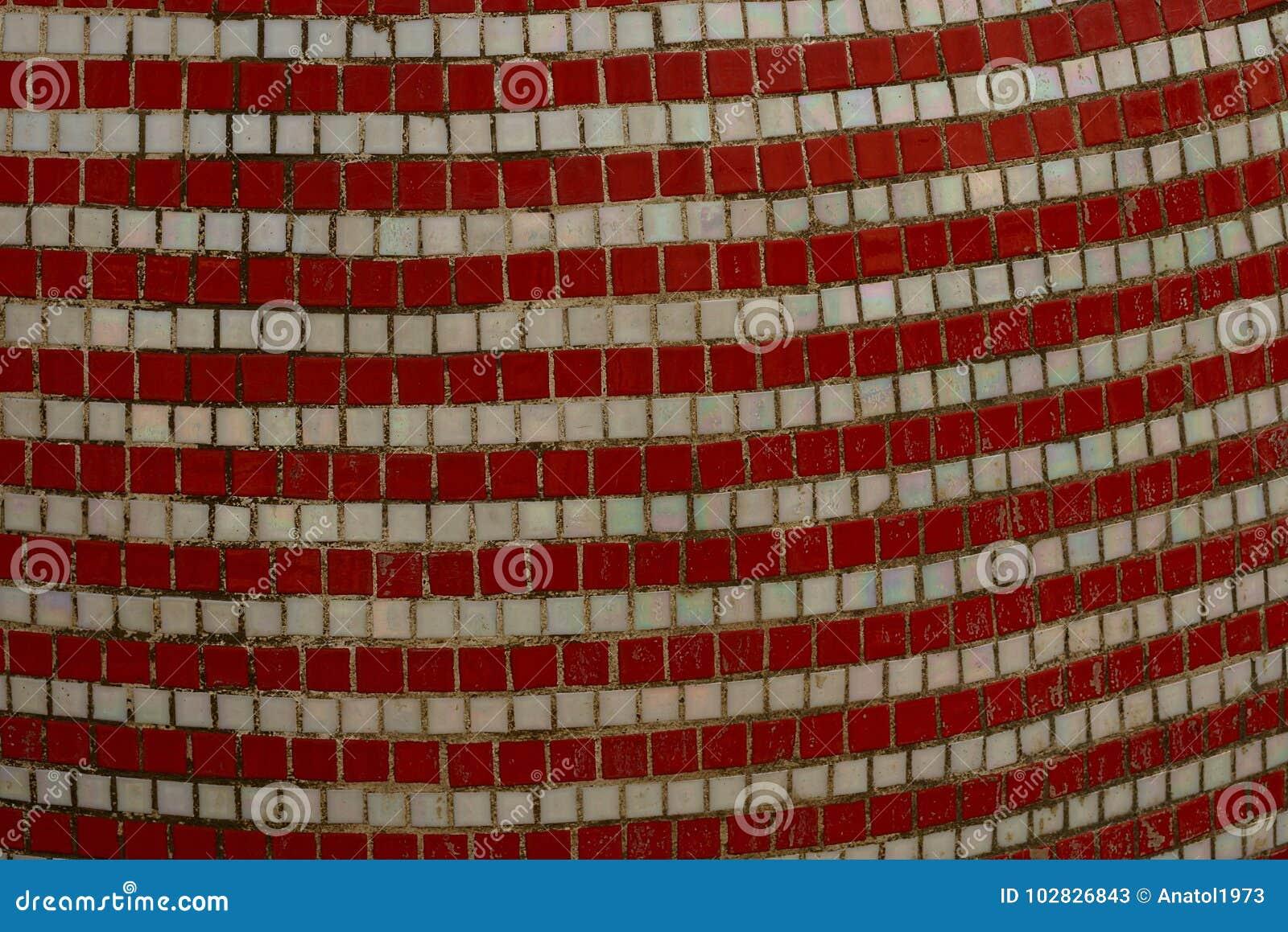 Struttura bianca rossa delle mattonelle quadrate ceramiche sulla