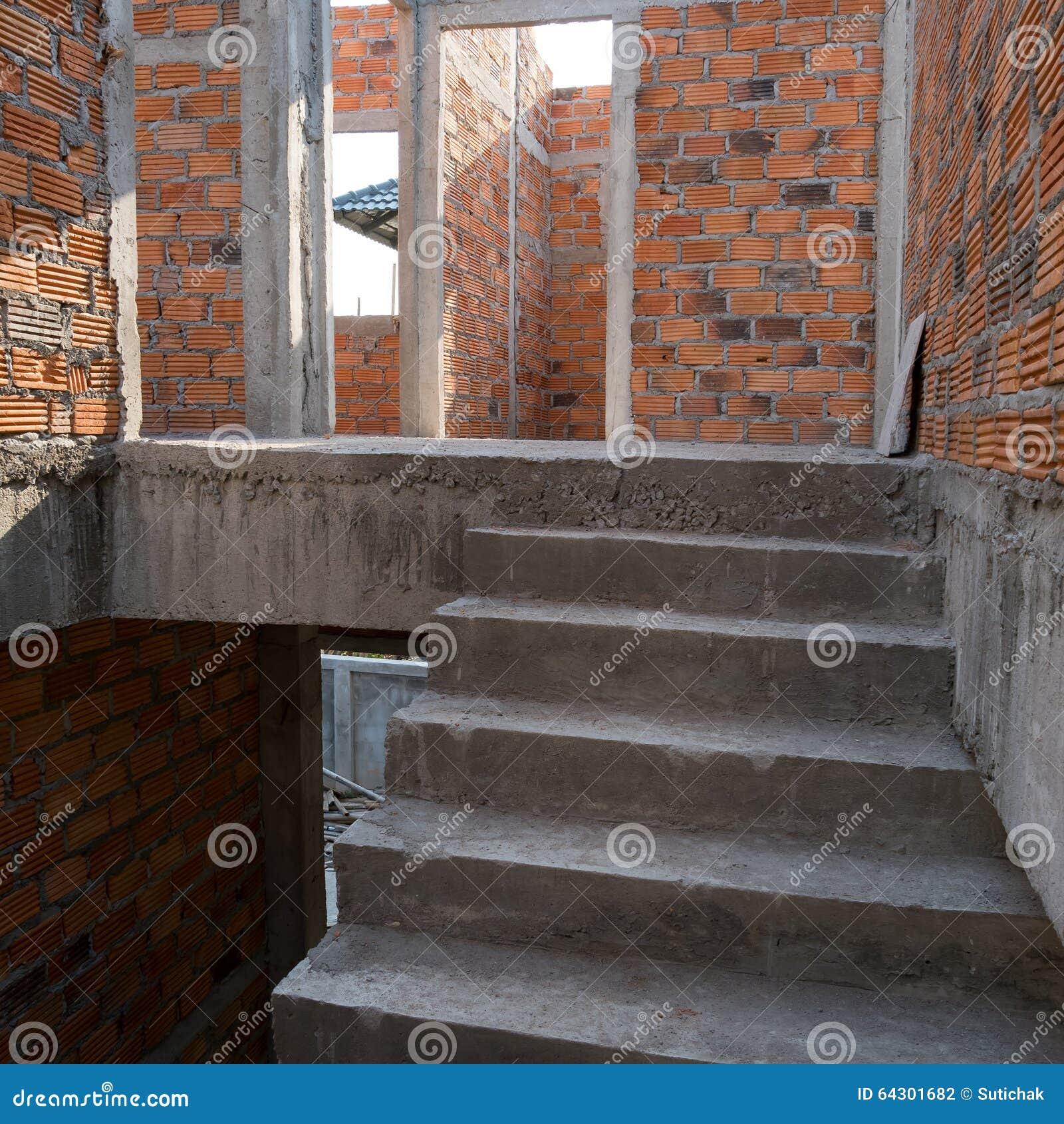 Struttura in cemento armato e muro di mattoni del cemento for Cemento industriale in casa