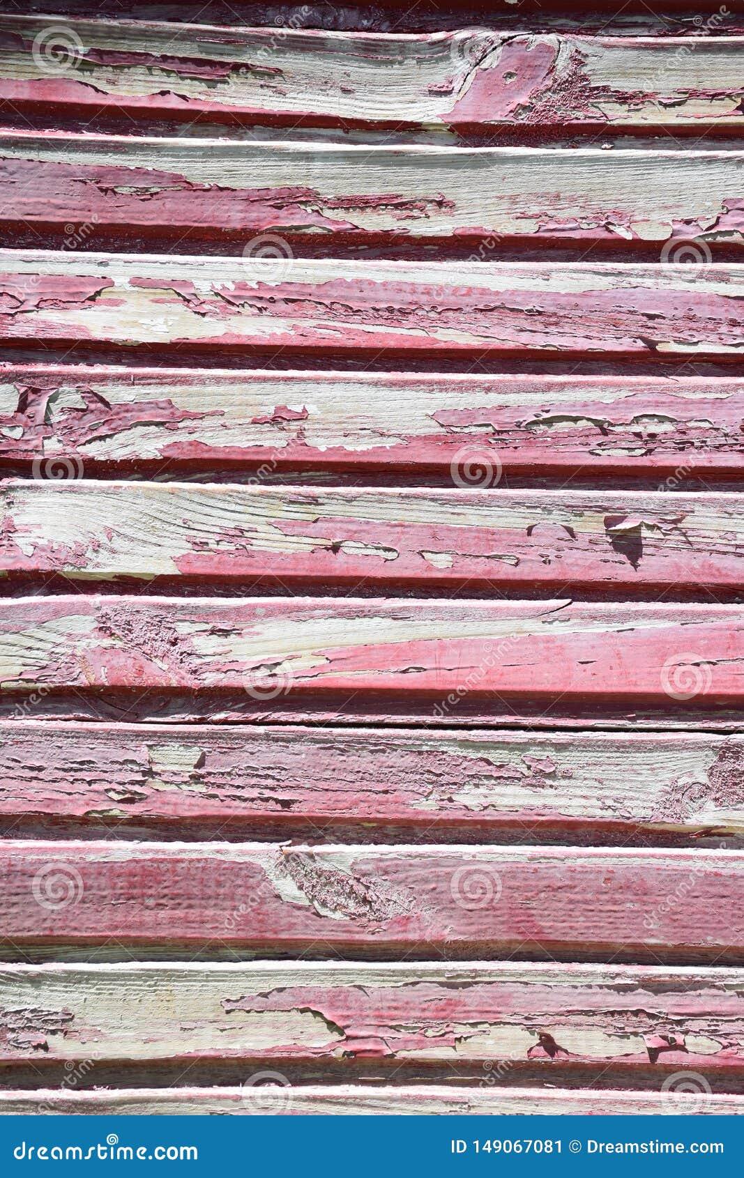 Struttura di legno rosso