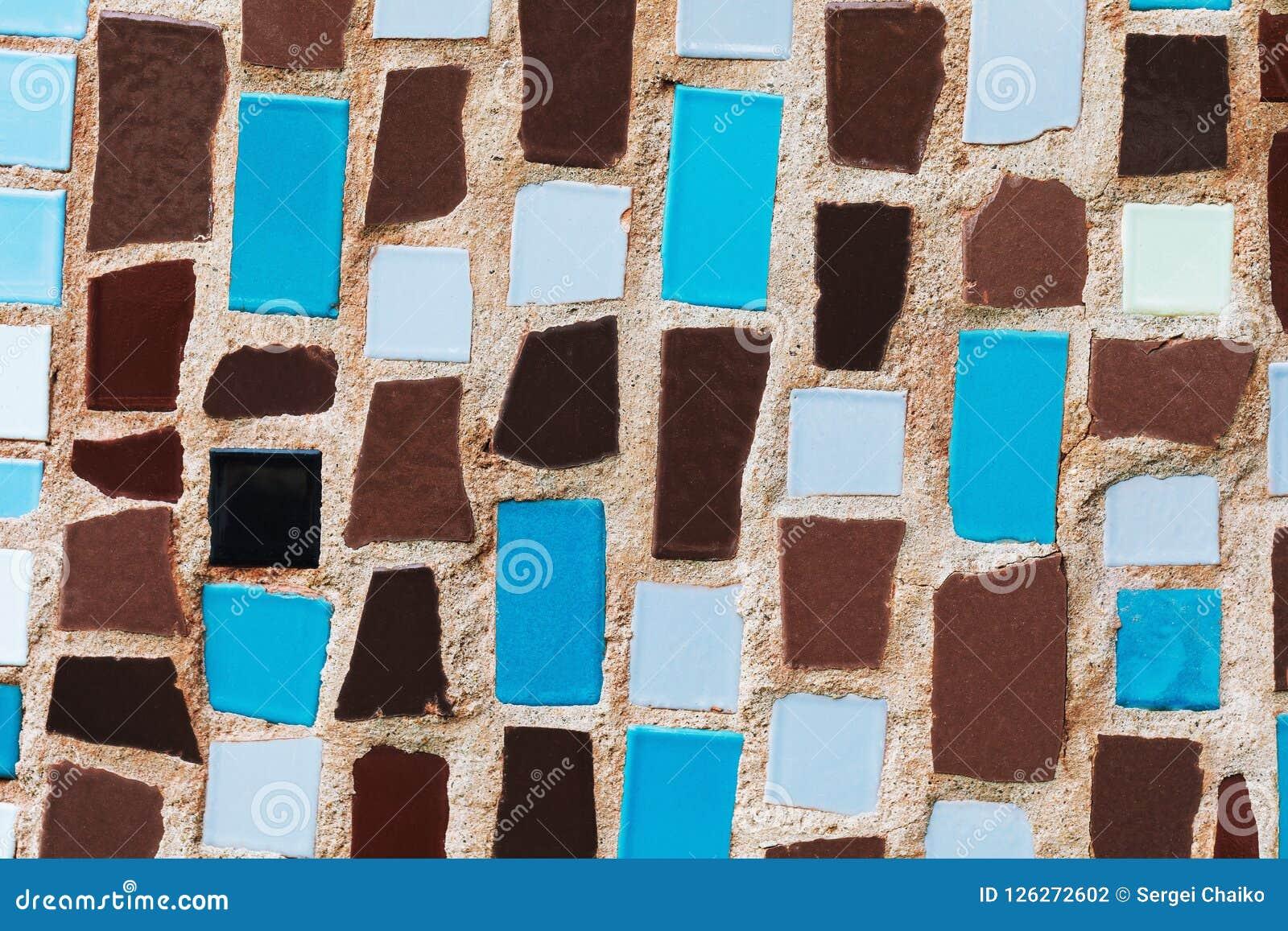 Casa come dipingere le piastrelle per soffitti con piega