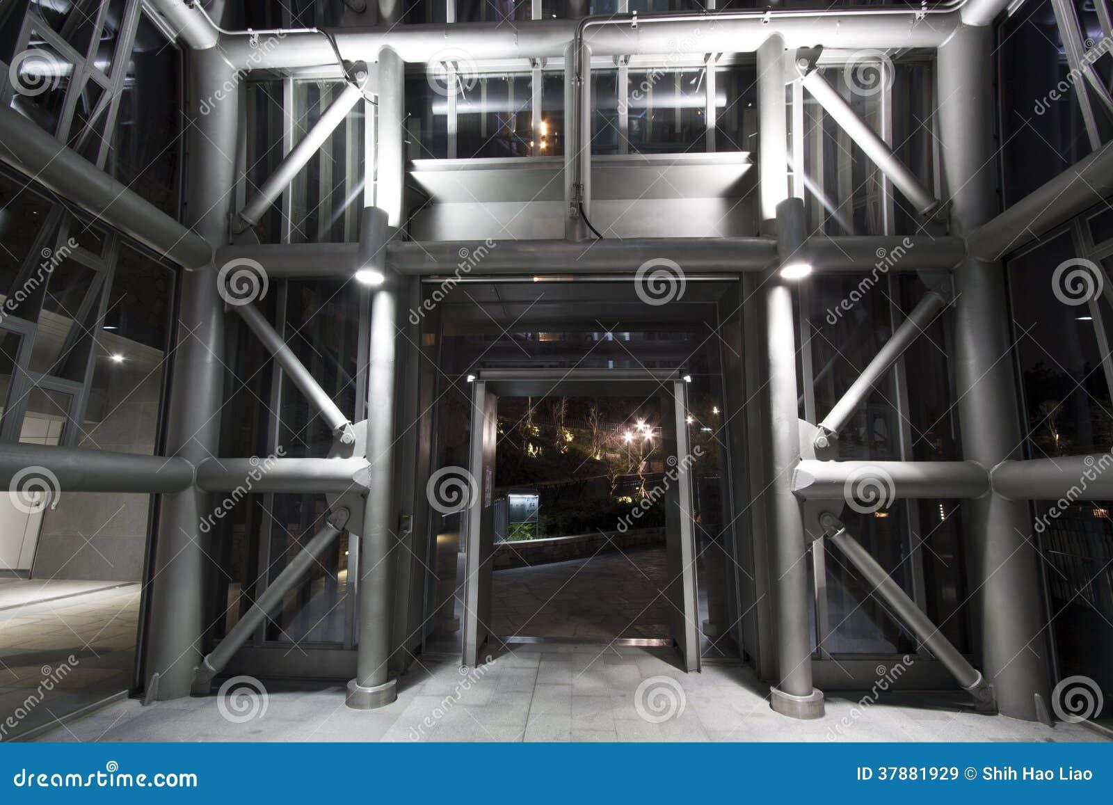 Struttura di piloni industriale moderna del metallo