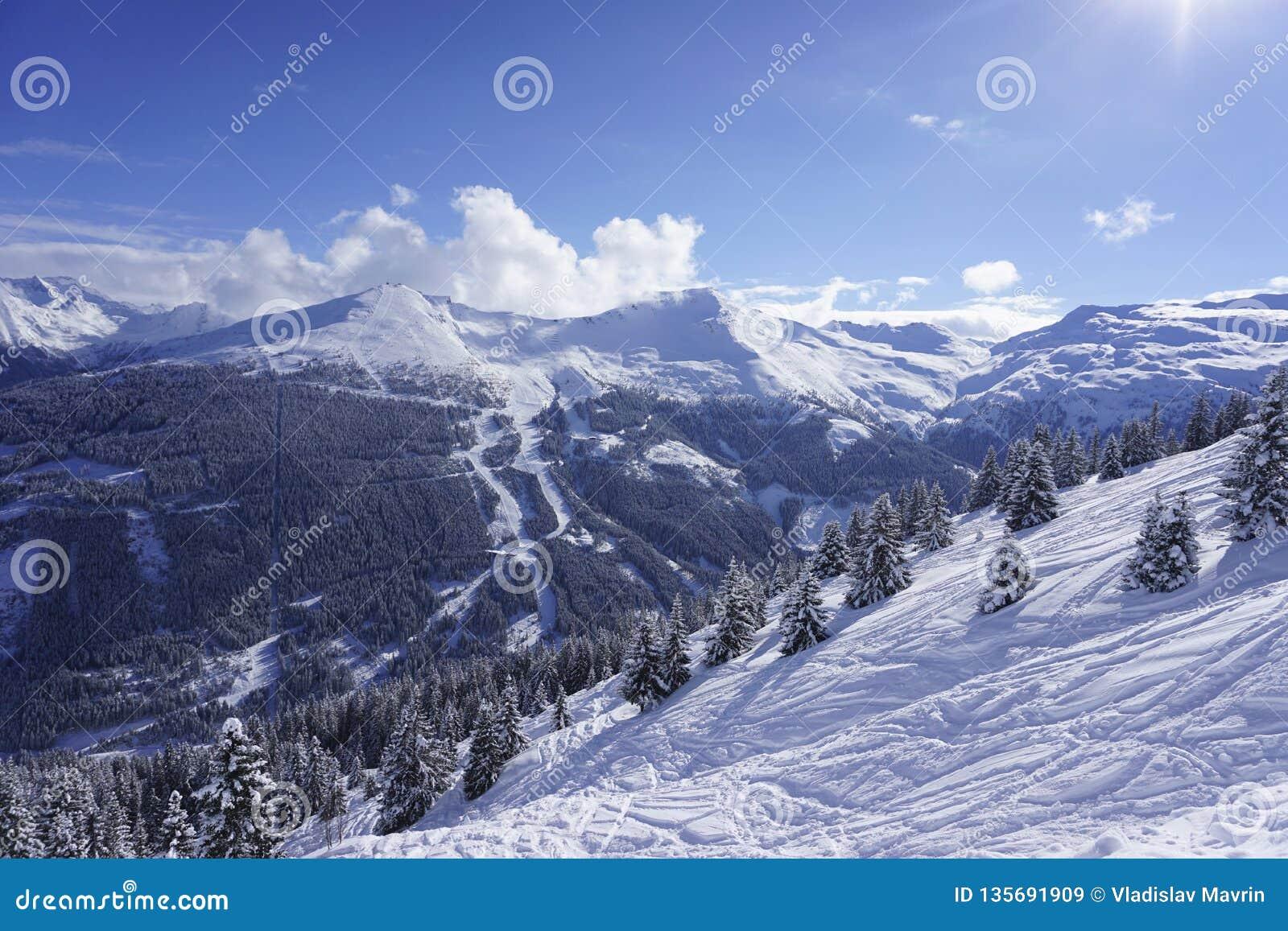 Stubnerkogel widok przy Złym Gastein ośrodkiem narciarskim
