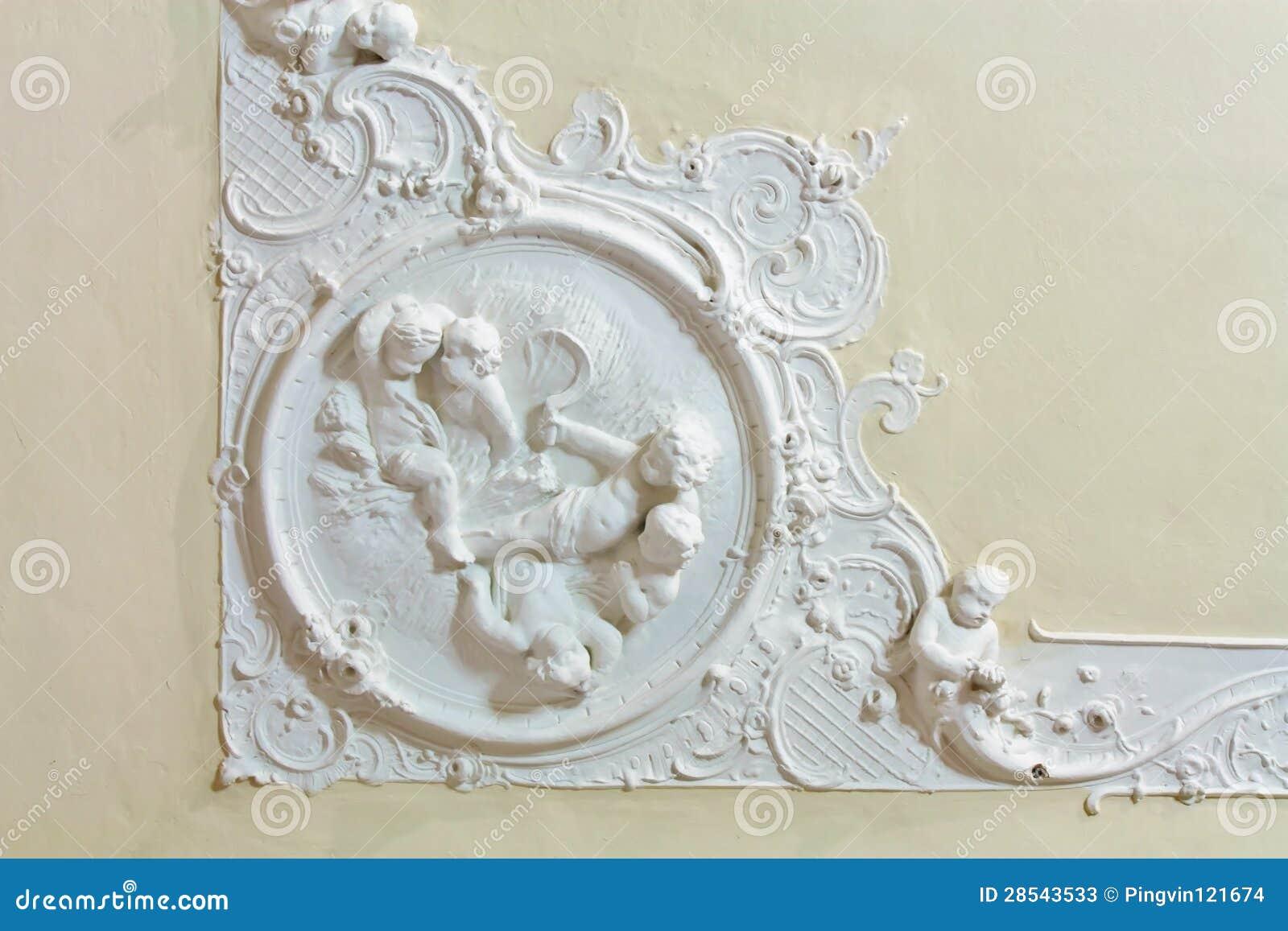 stuck auf der decke des historischen geb udes stockbild bild von pfosten decke 28543533. Black Bedroom Furniture Sets. Home Design Ideas