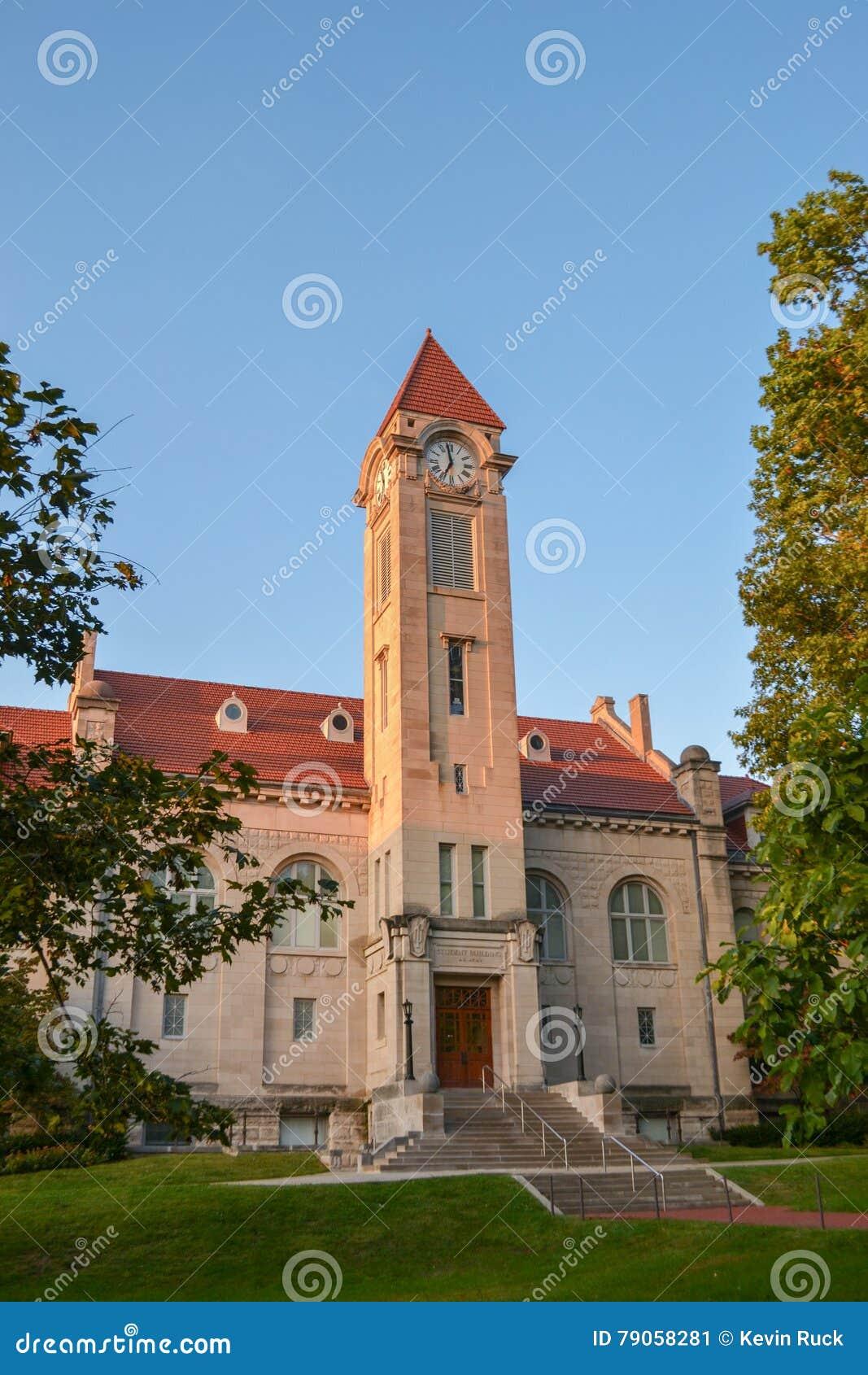 Studencki budynek przy Indiana uniwersytetem