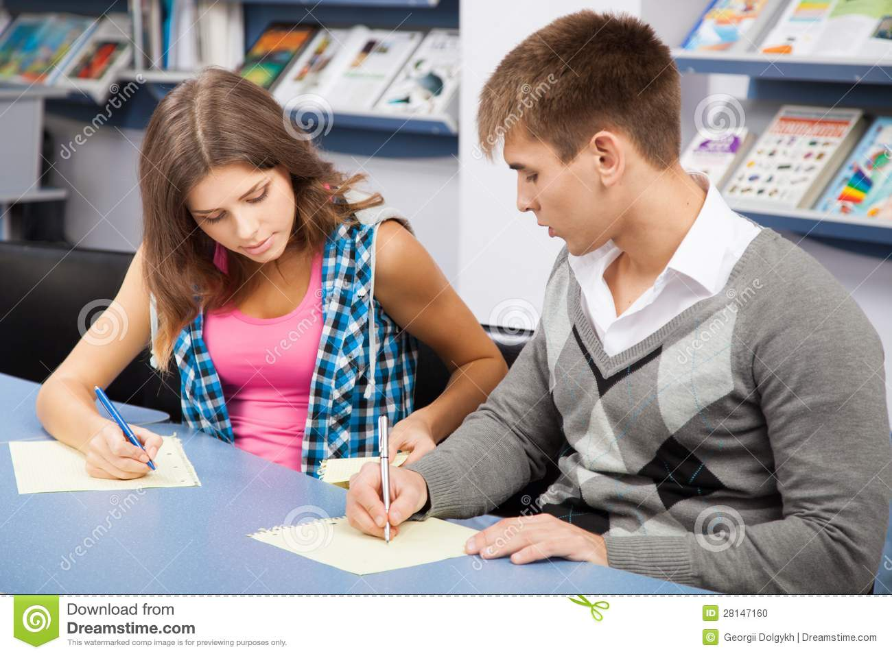 college students cheating on exams 7 college cheating scandals from ethan just look at these epic college cheating scandals 1 mba students network the school in 2007 when second-year dental students figured out a way to hack into the computer system that held their exams once inside, students could study the x-rays.