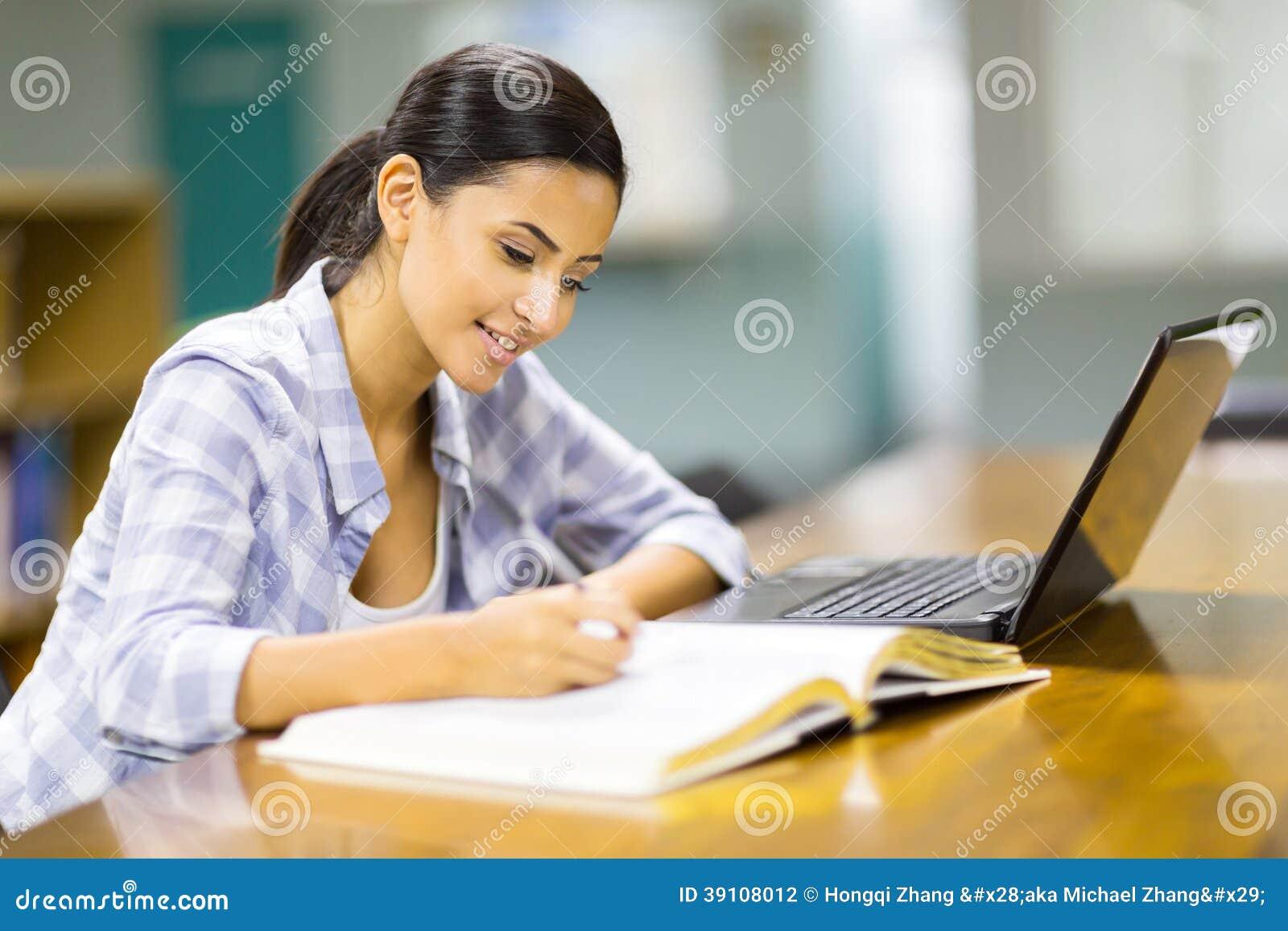 Student het bestuderen