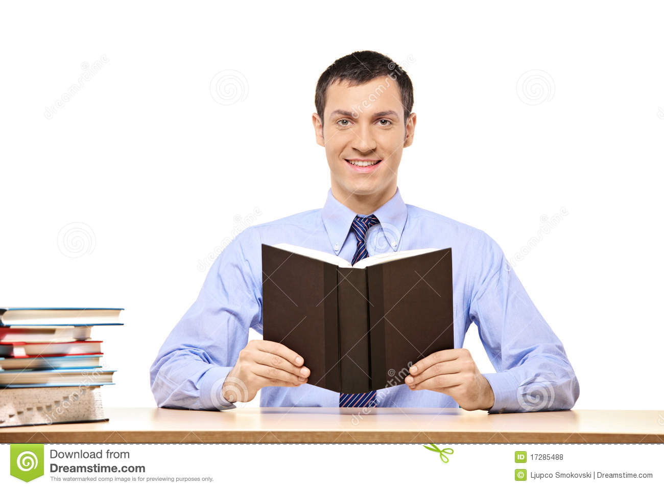 Student Reading A Book Royalty Free Stock Photos Image