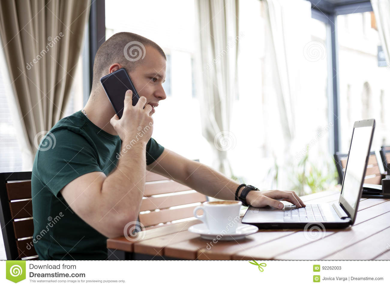 f93a6ebde98b Student Telephone And Surf The Internet In Cafe Stock Image - Image ...
