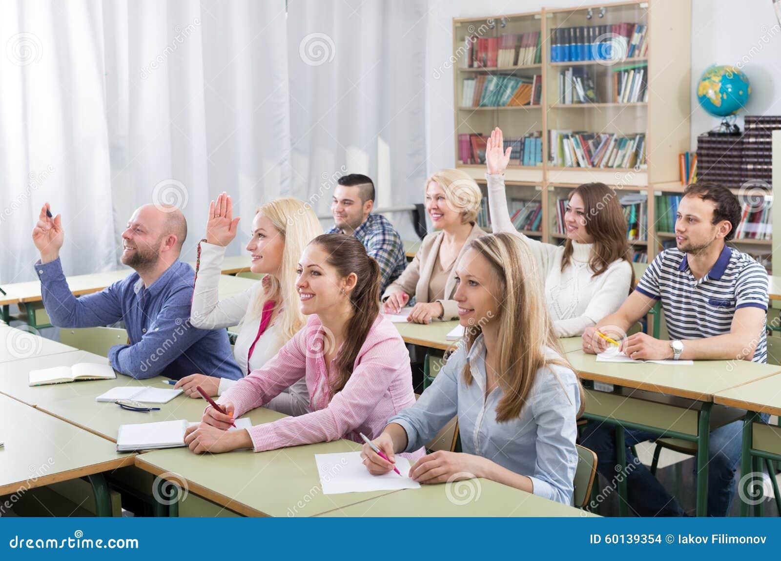 Nett Student Setzt Für Hochschule Fort Ideen - Beispiel Business ...