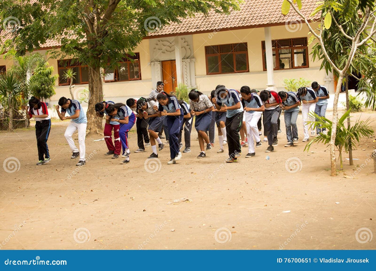 Studenter firar självständighetsdagen, in - Nusa Penida, Indonesien