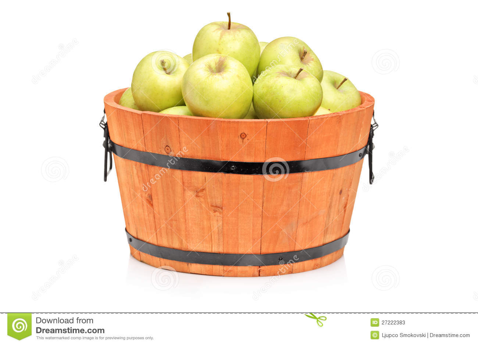 Studio Shot Of Green Apples In A Wooden Barrel Stock Photos - Image: 27222383
