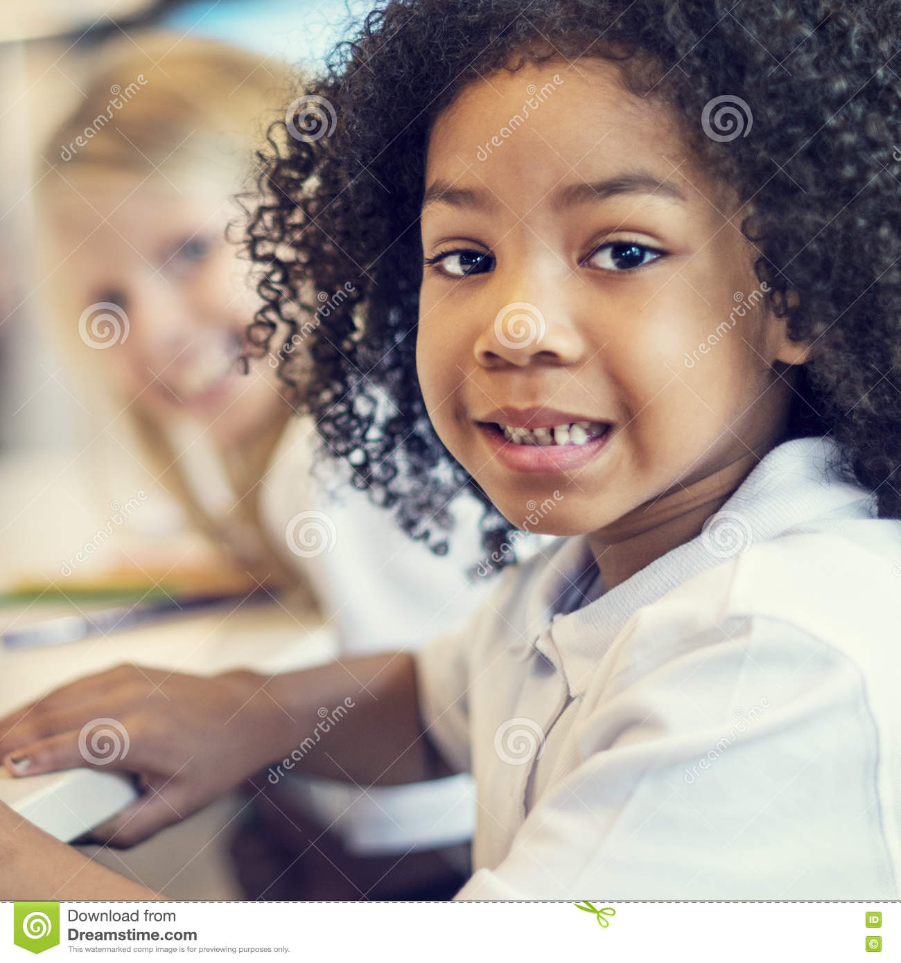 internet in the classroom Creating presentations, learning to differentiate reliable from unreliable sources on the internet and maintaining proper online etiquette are all vital skills that students can learn in the classroom.