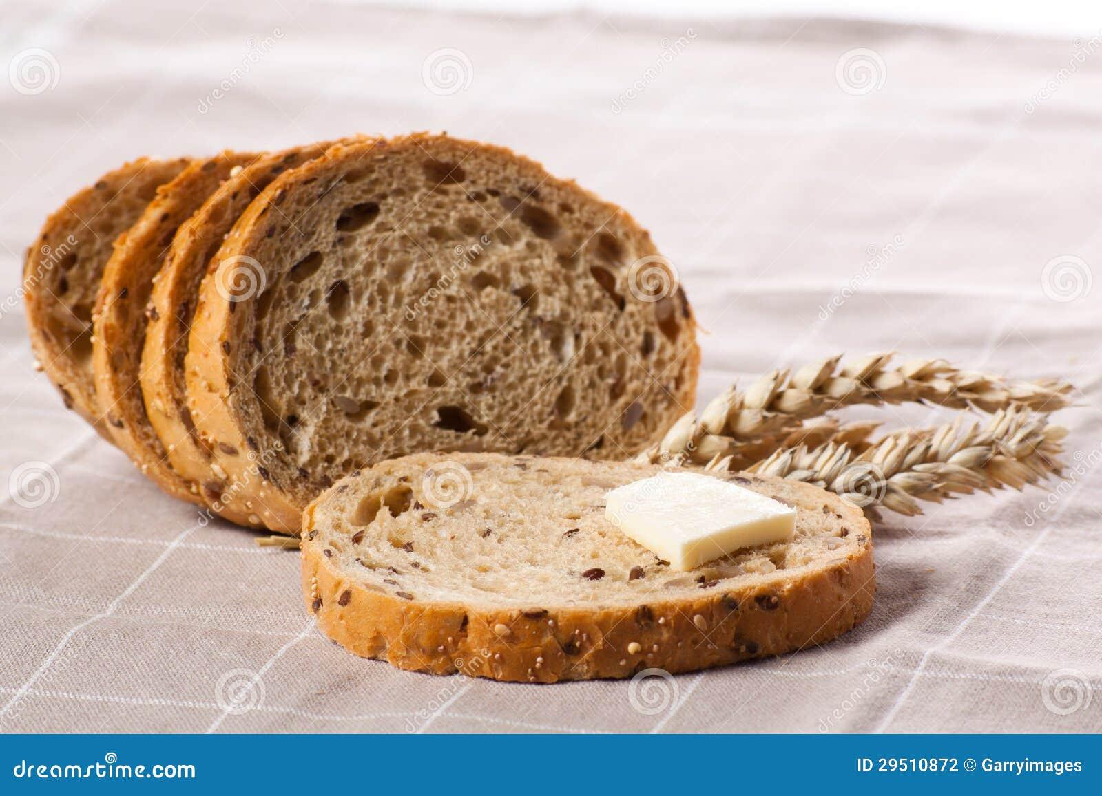Stuk van brood met boter.