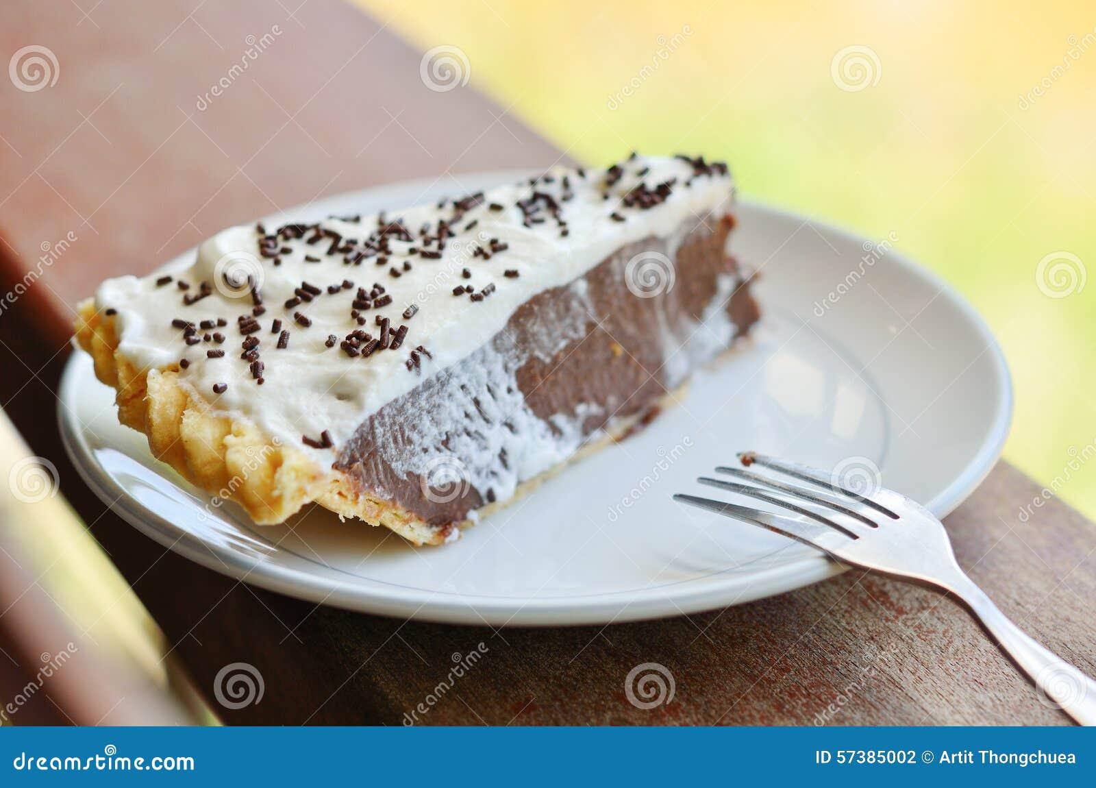 Stuk van cake op lijst