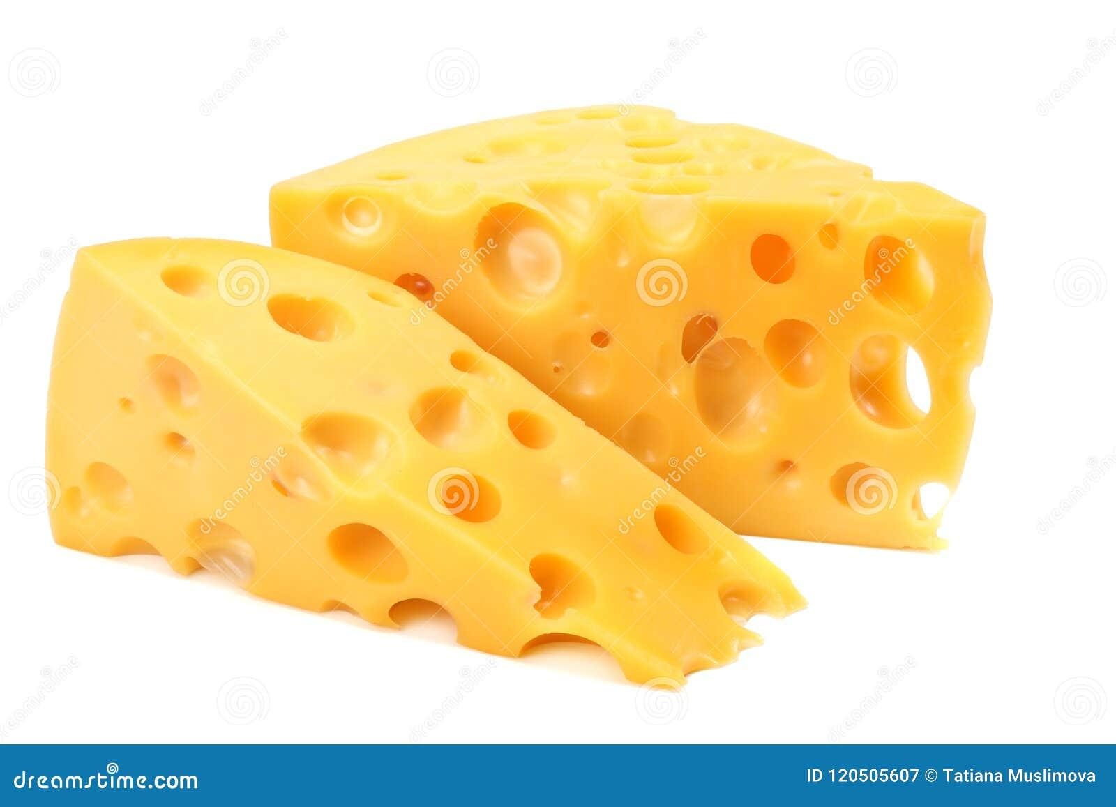 Stuk van kaas dat op witte achtergrond wordt geïsoleerd?