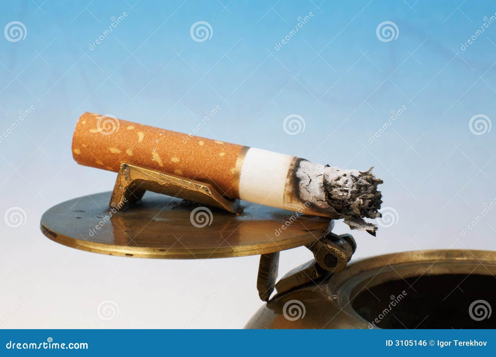 Stummel Einer Zigarette Stockfoto Bild Von Kupfer Falsch 3105146