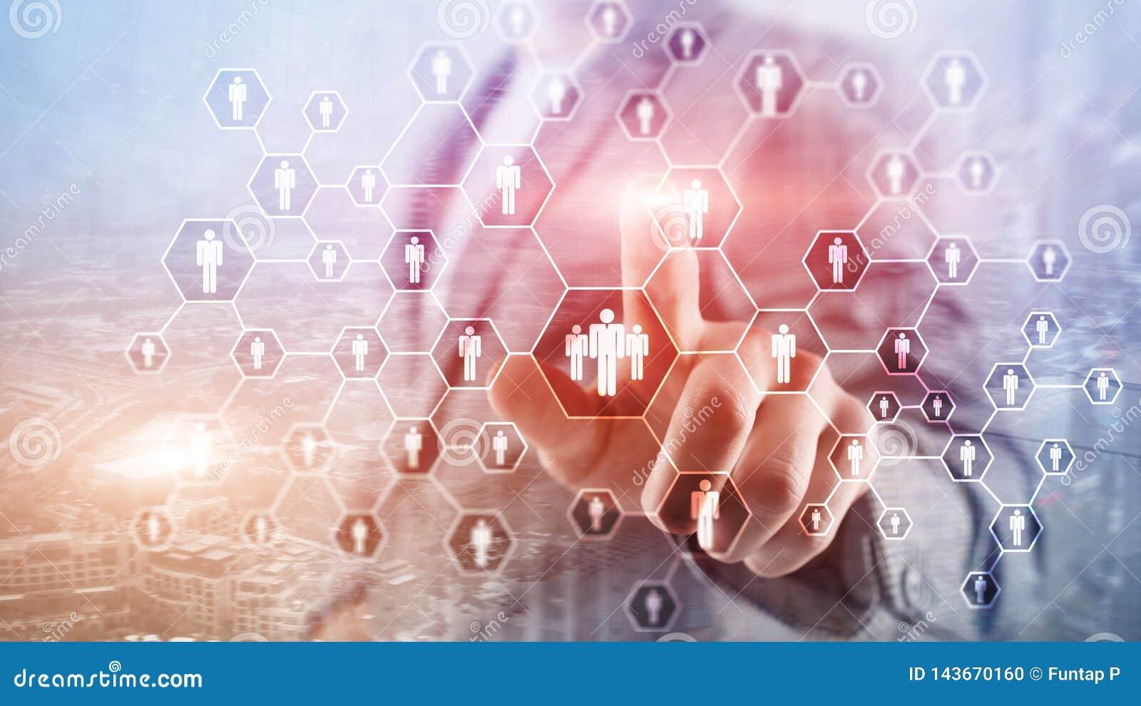 Stunde, Personalwesen-, Einstellungs-, Organisationsstruktur und Konzept des Sozialen Netzes