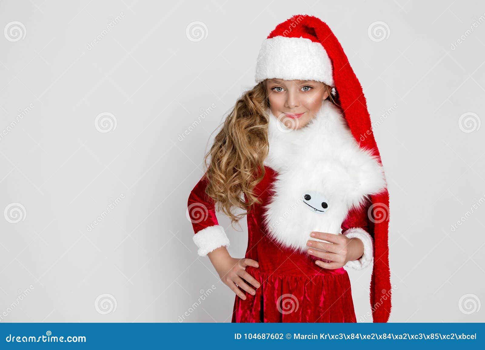 e46a4b73d Stunning Beautiful Little Girl With Long Blond