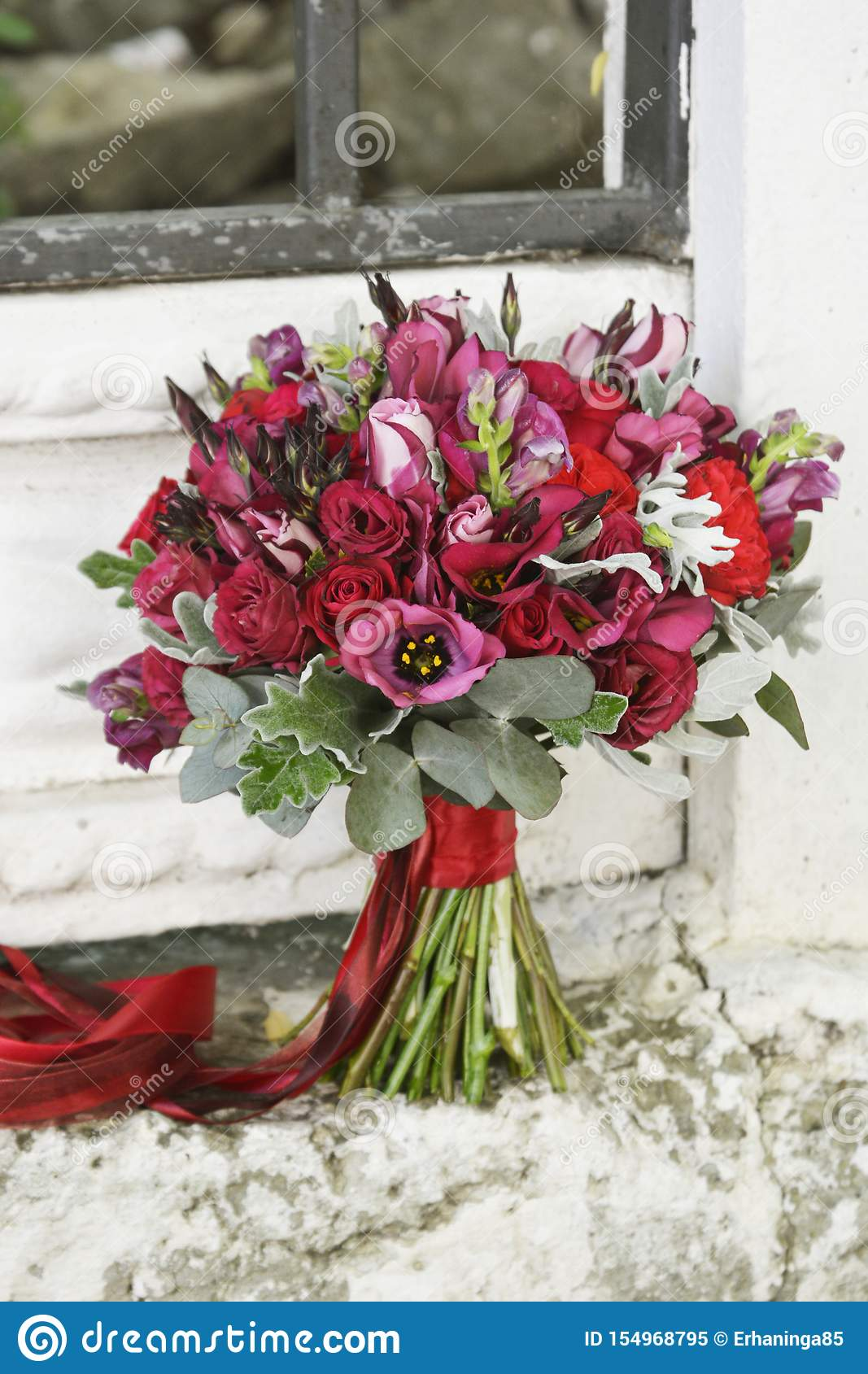 Stunning Red Bridal Bouquet Wedding Ceremony Stock Image Image Of Flower Ceremony 154968795
