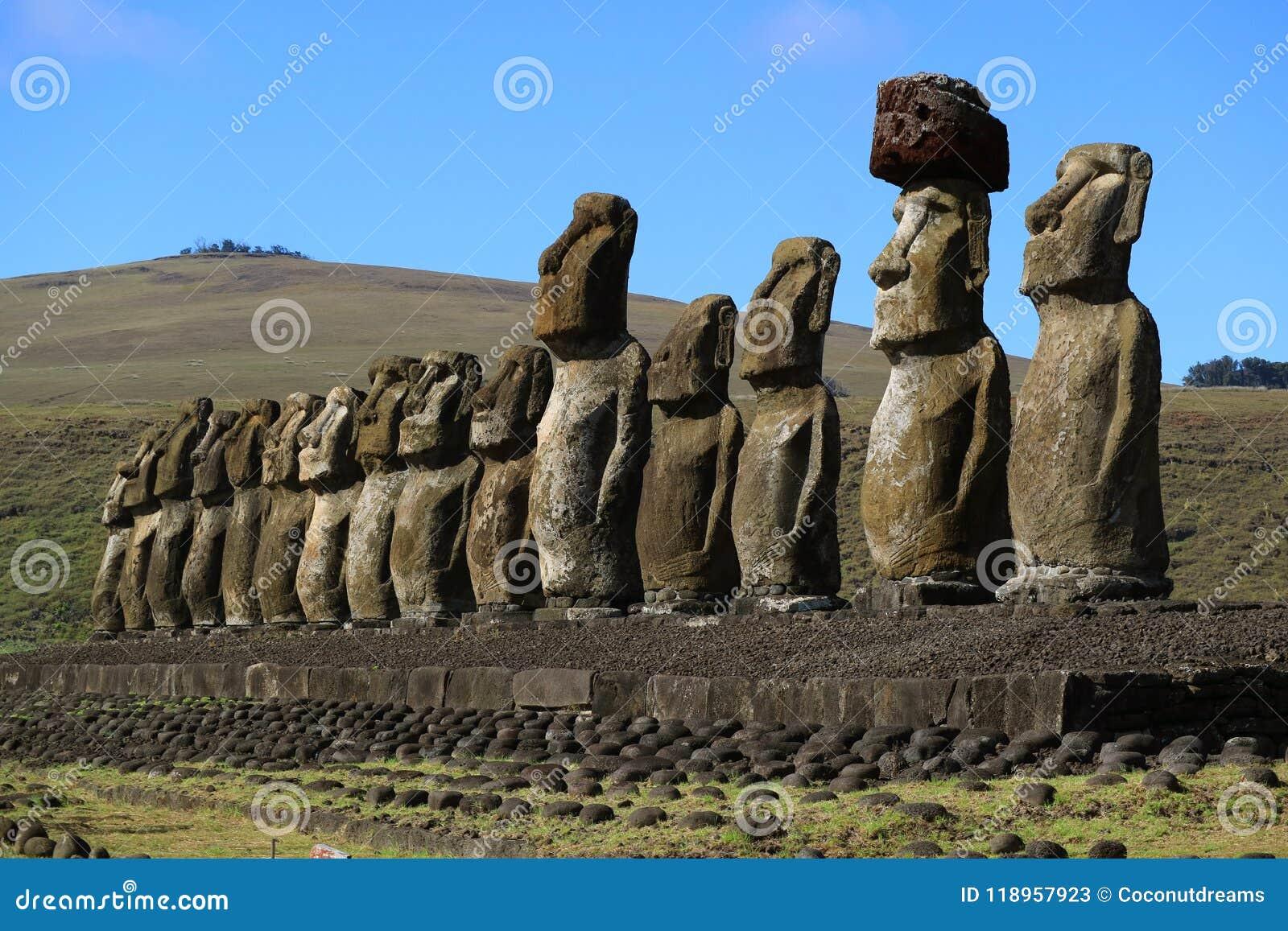 Ritebook: The 15 Moai, Ahu Tongariki | Easter Island