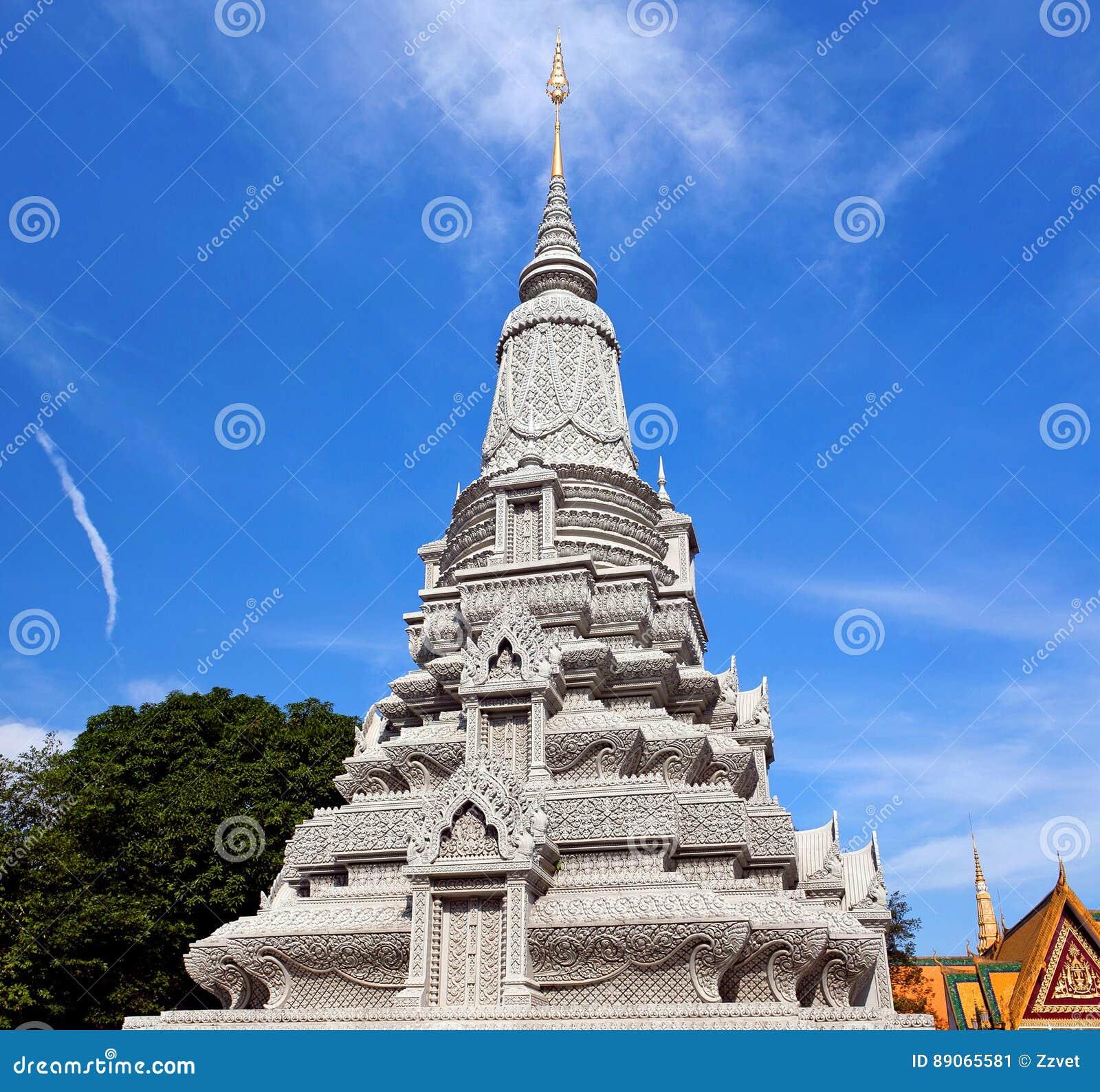 Stupa Of King Norodom Suramarit In Phnom Penh, Cambodia Stock ...