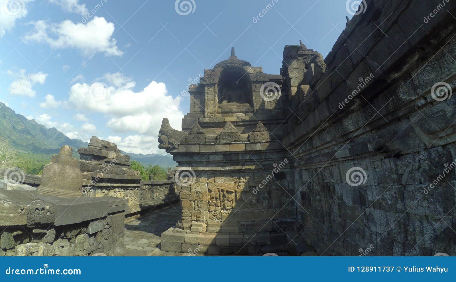 Stupa van Borobudur-Tempel in Muntilan, Centraal Java