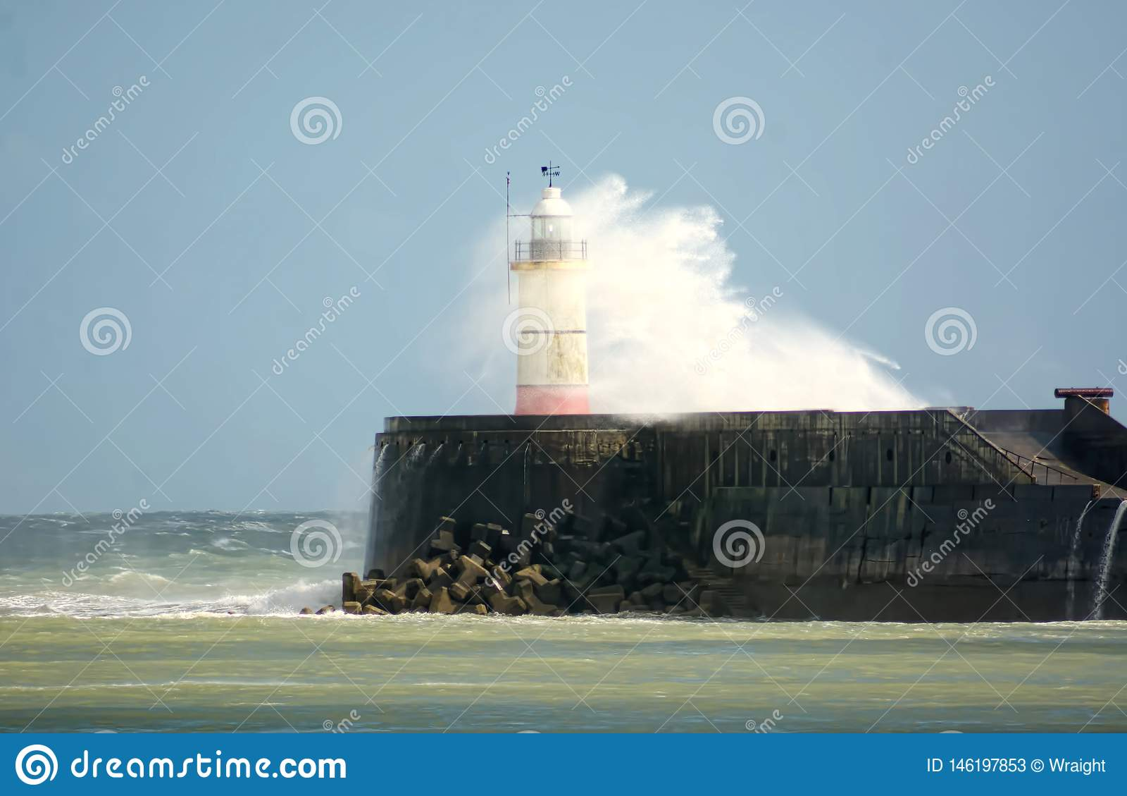 Sturm Hannah zerschlägt New-Haven Leuchtturm sussex Gro?britannien