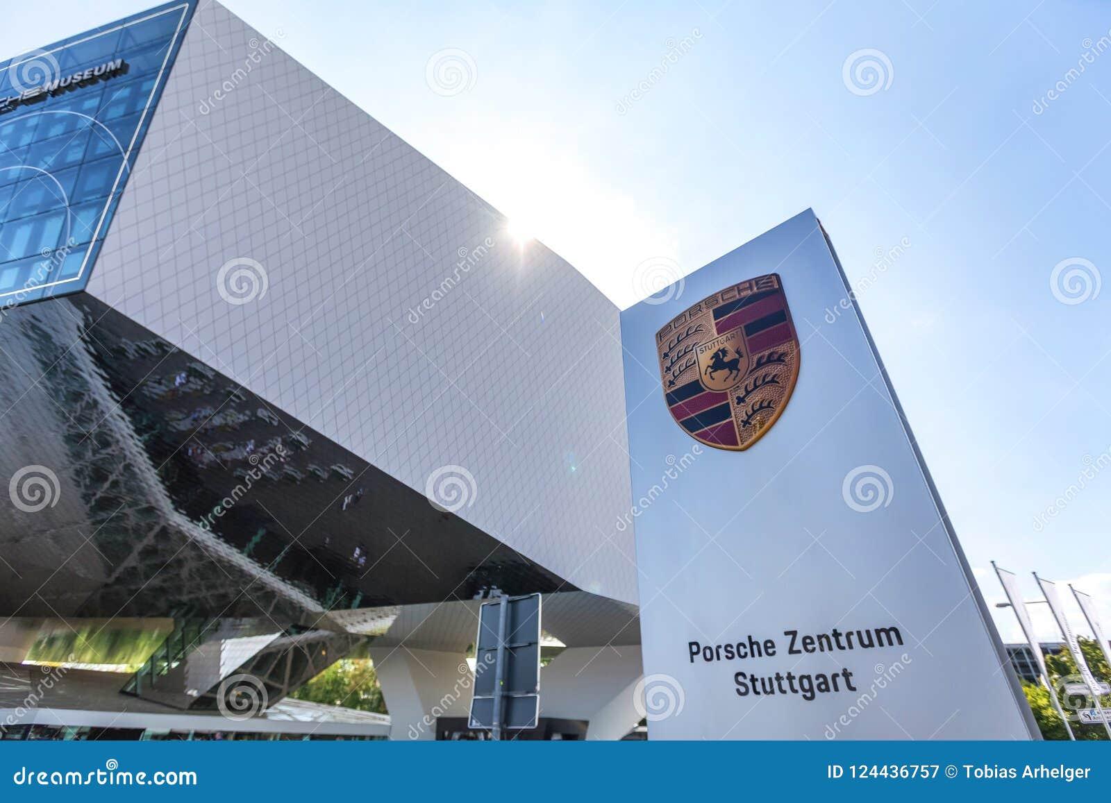 Stuttgart, Baden-Wurttemberg/Alemania - 21 08 18: museo Stuttgart Alemania del coche de Porsche