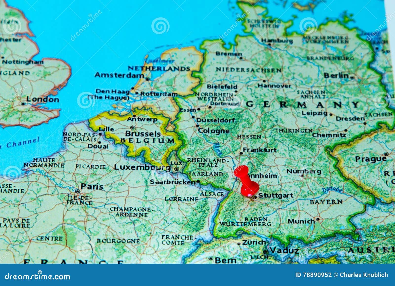 Stuttgart Deutschland Steckte Auf Eine Karte Von Europa Fest