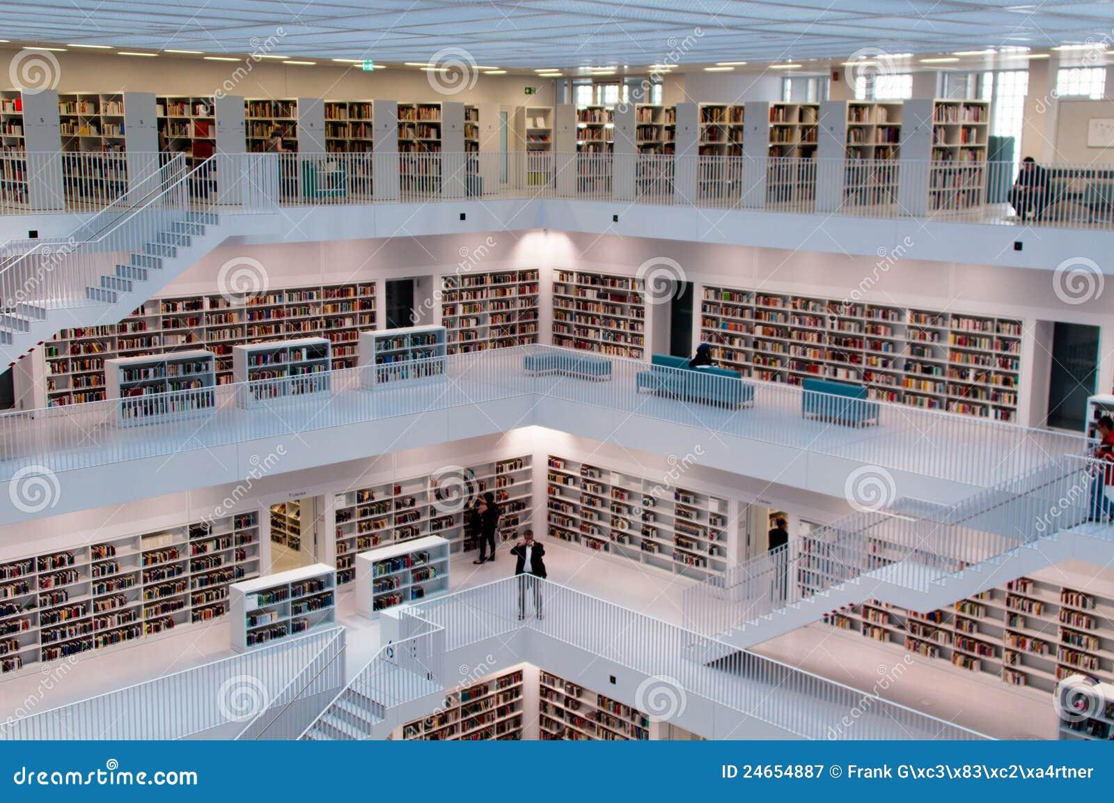 Stuttgart eigentijdse openbare bibliotheek redactionele fotografie afbeelding 24654887 - Eigentijdse boekenkast ...
