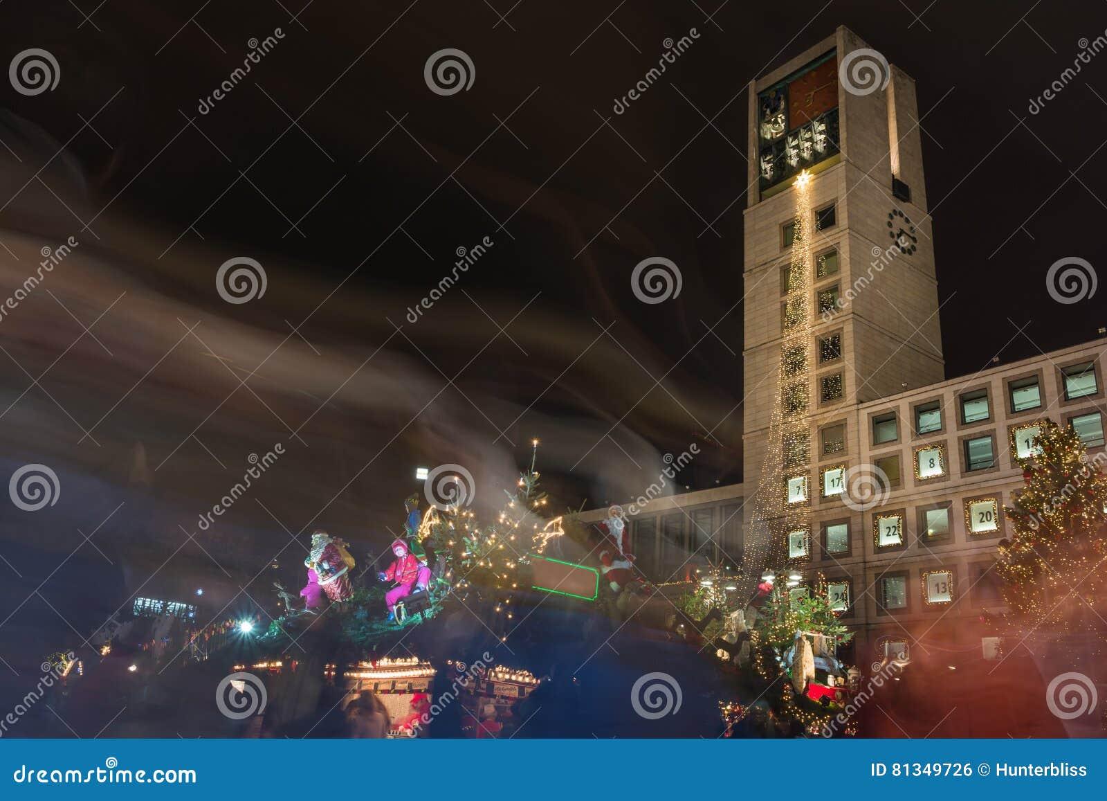 Weihnachtsmarkt L.Stuttgart Rathaus Christmas Market 2016 Weihnachtsmarkt Lights L