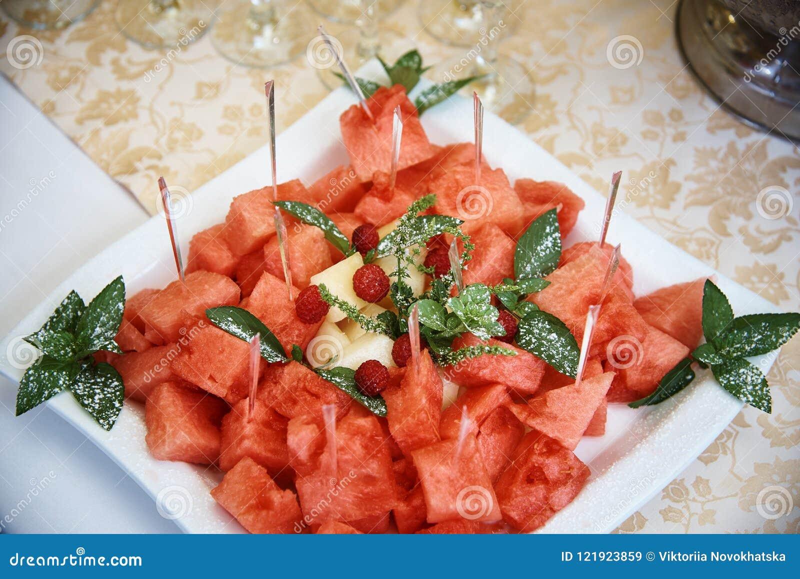 Stycken av vattenmelon och melon