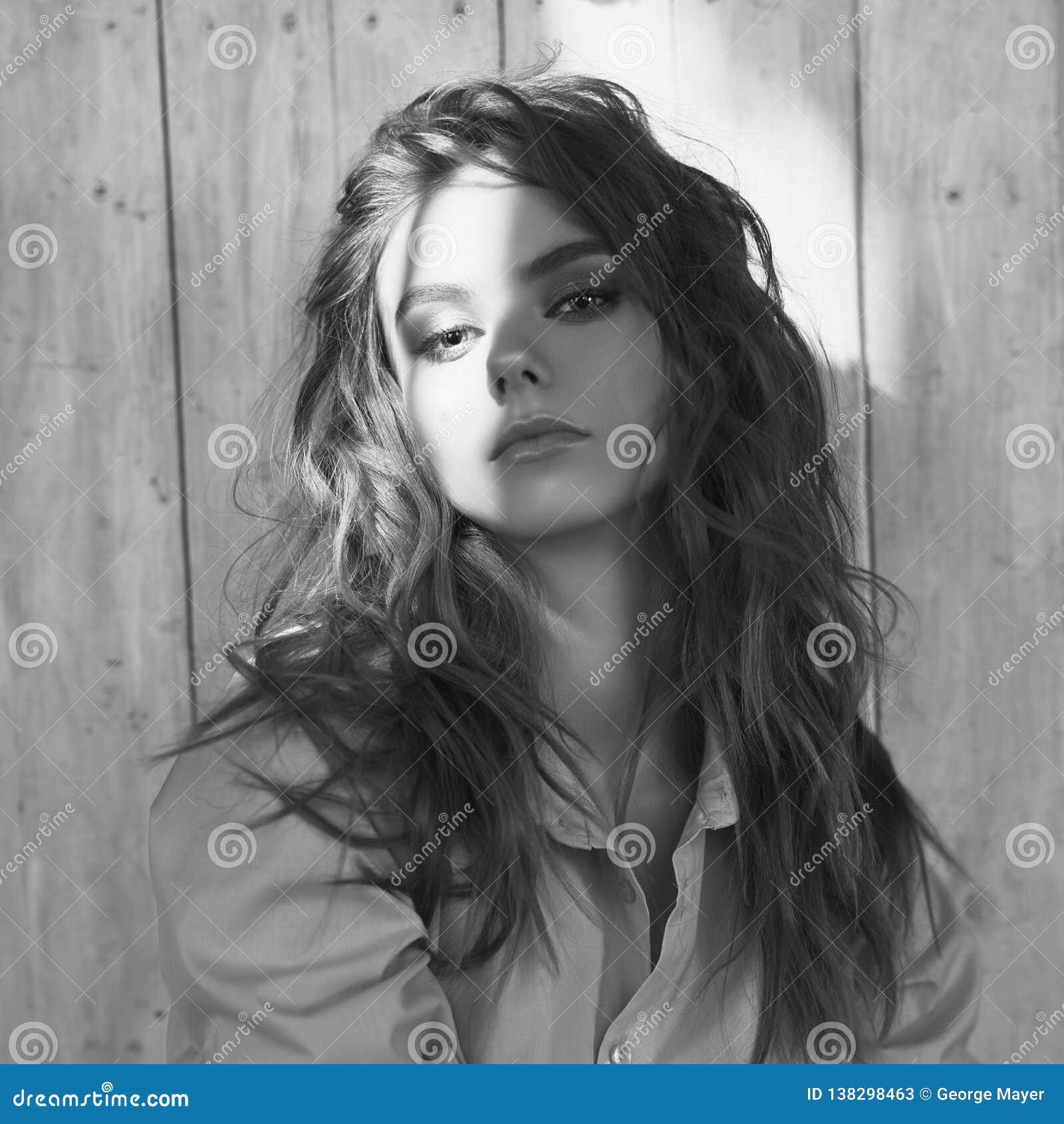 Styl życia portret młoda piękna dama